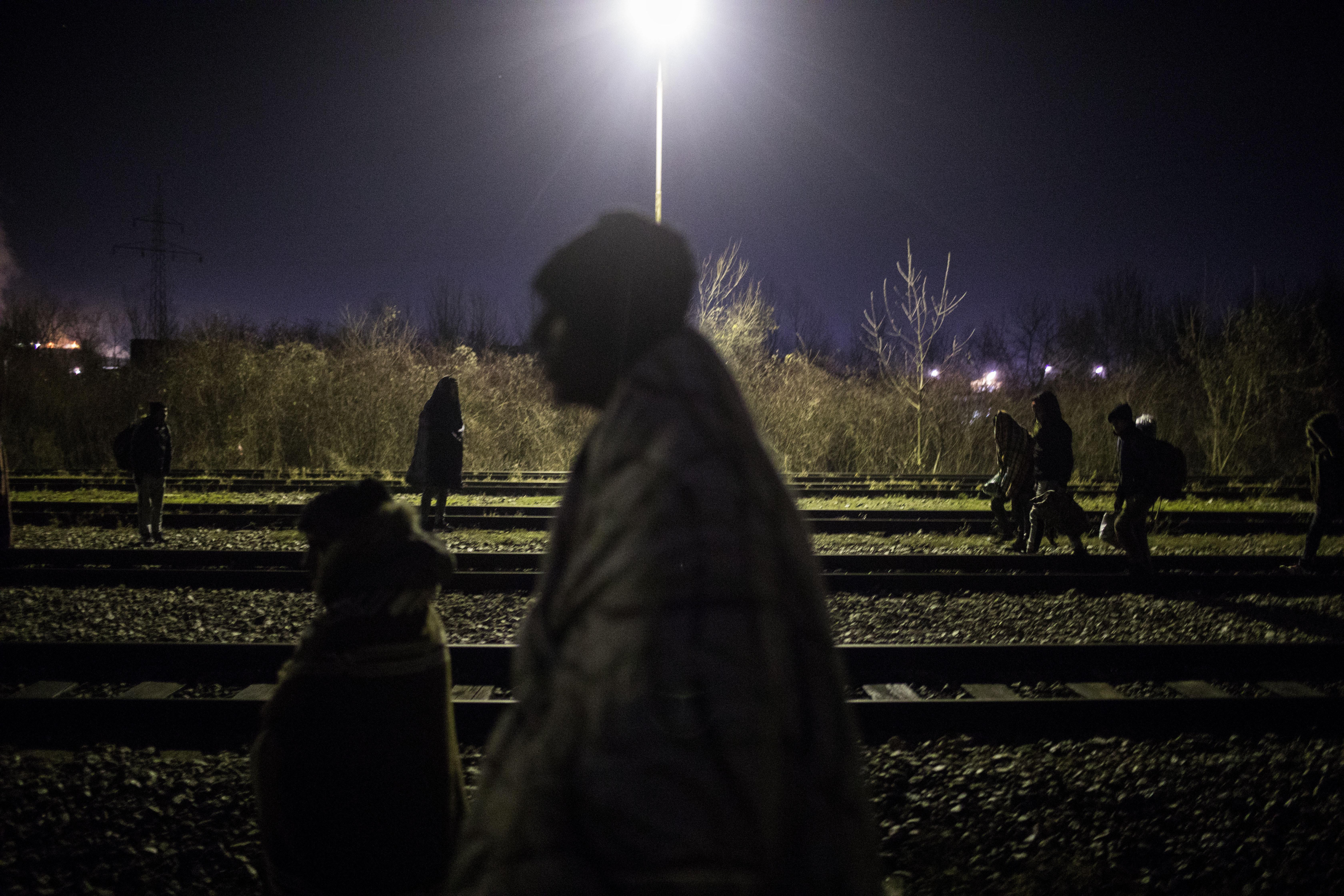 Going west, migrants wander through Bosnia in Balkan winter