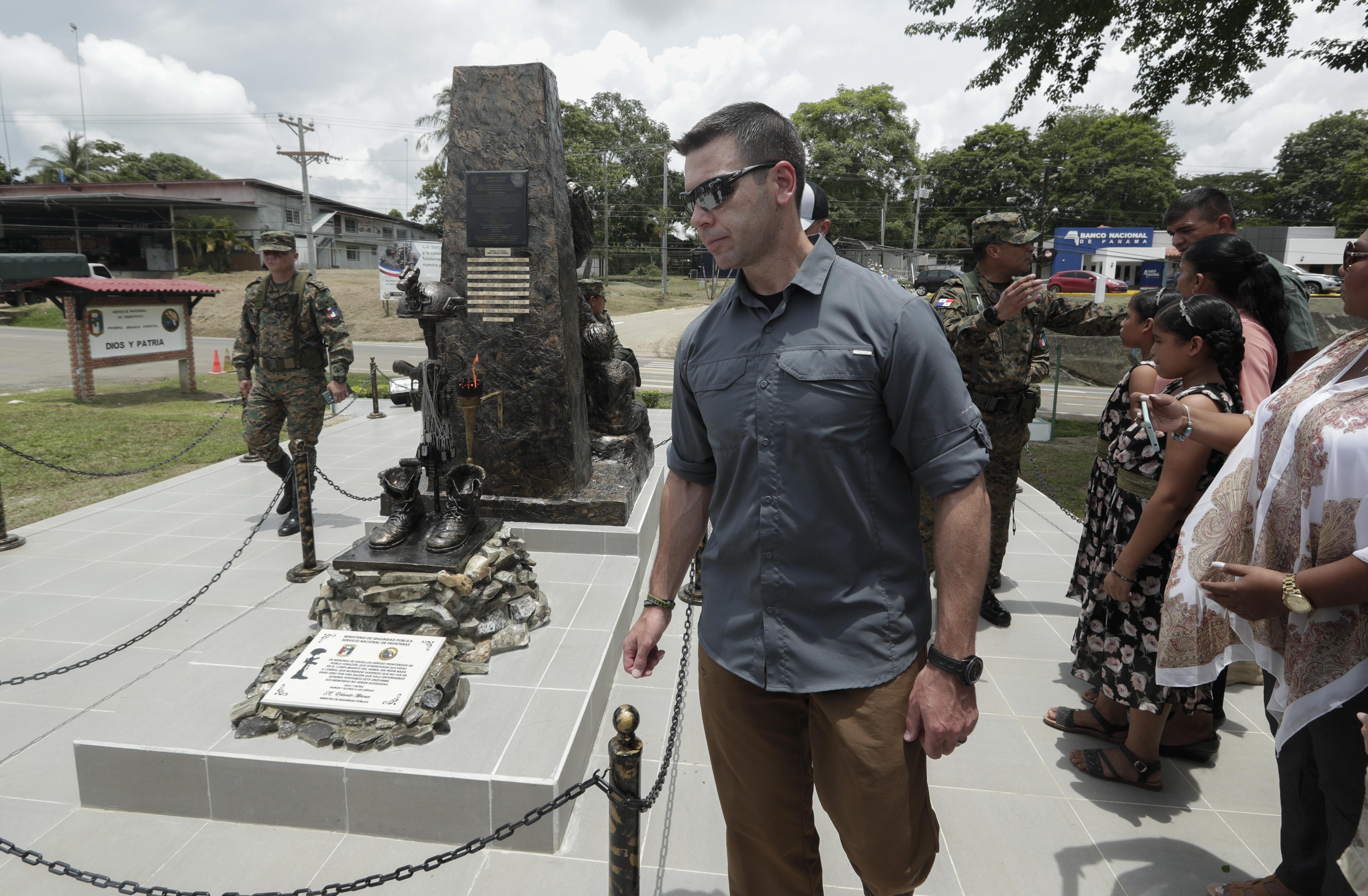 US homeland security chief tours Panama jungle migrant camp