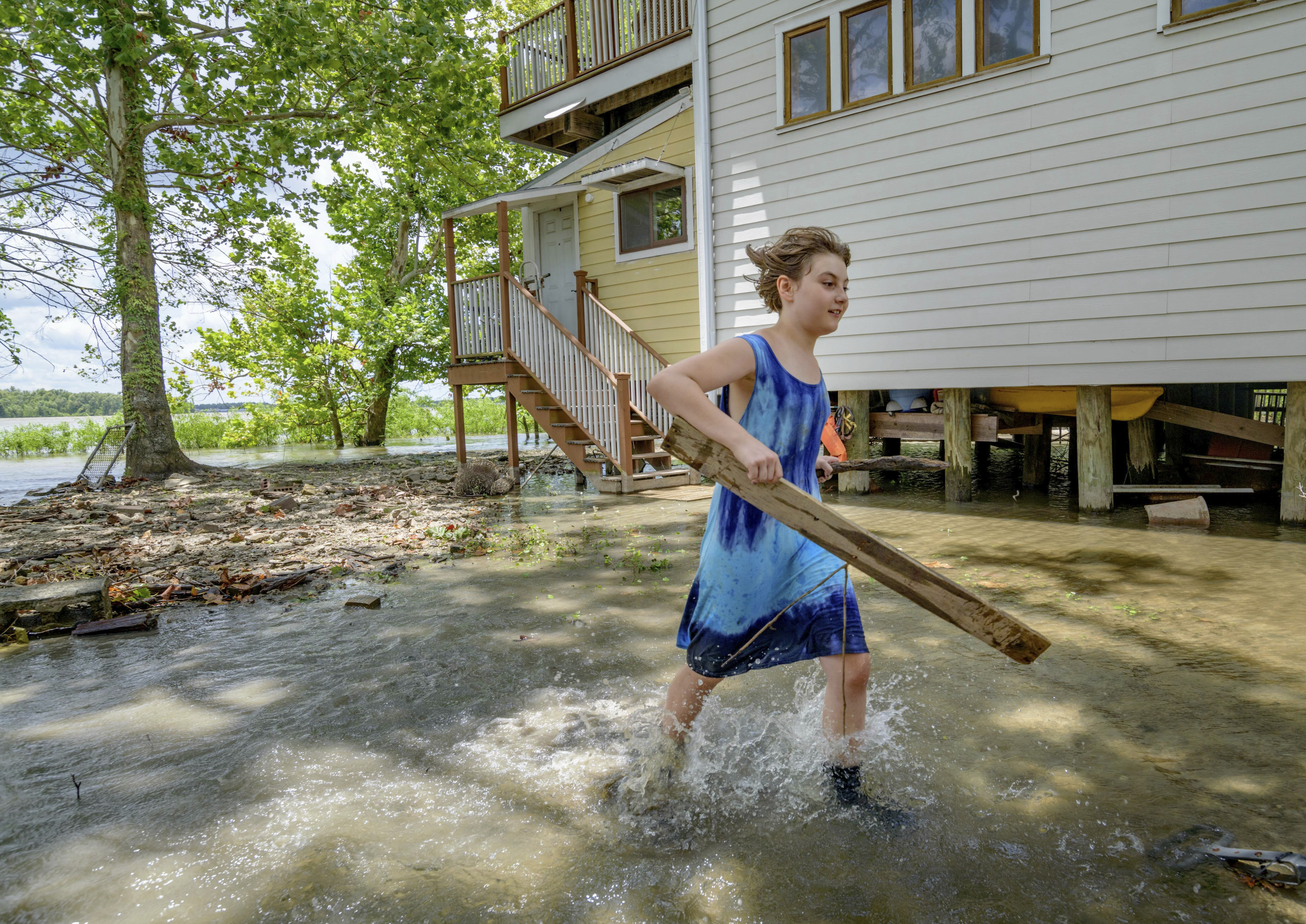 The Latest: Governor seeks federal declaration due to Barry