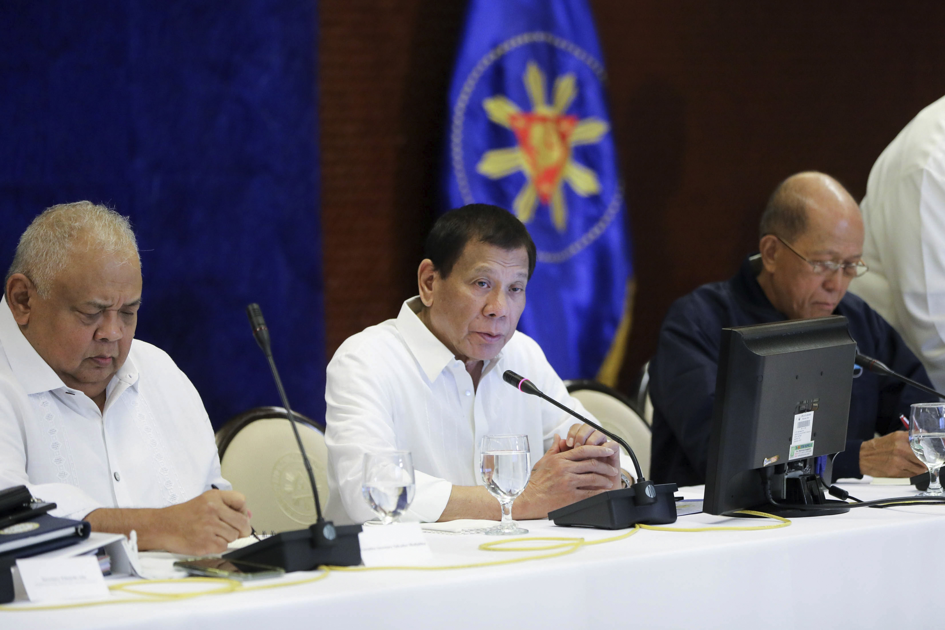 Philippines orders evacuation of Filipinos from Iraq, Iran