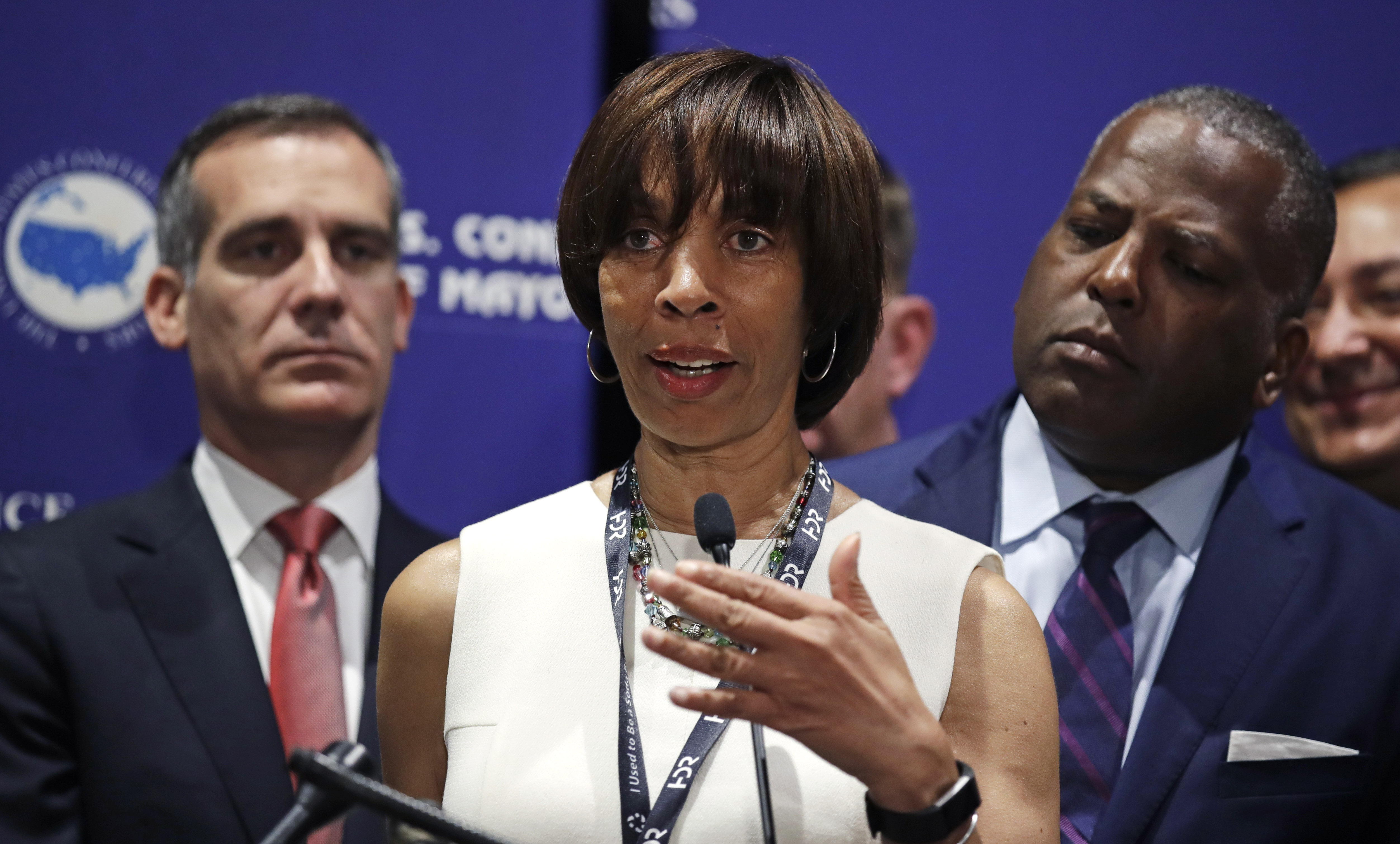 Ex-Baltimore mayor seeks prison sentence of 1 year and 1 day