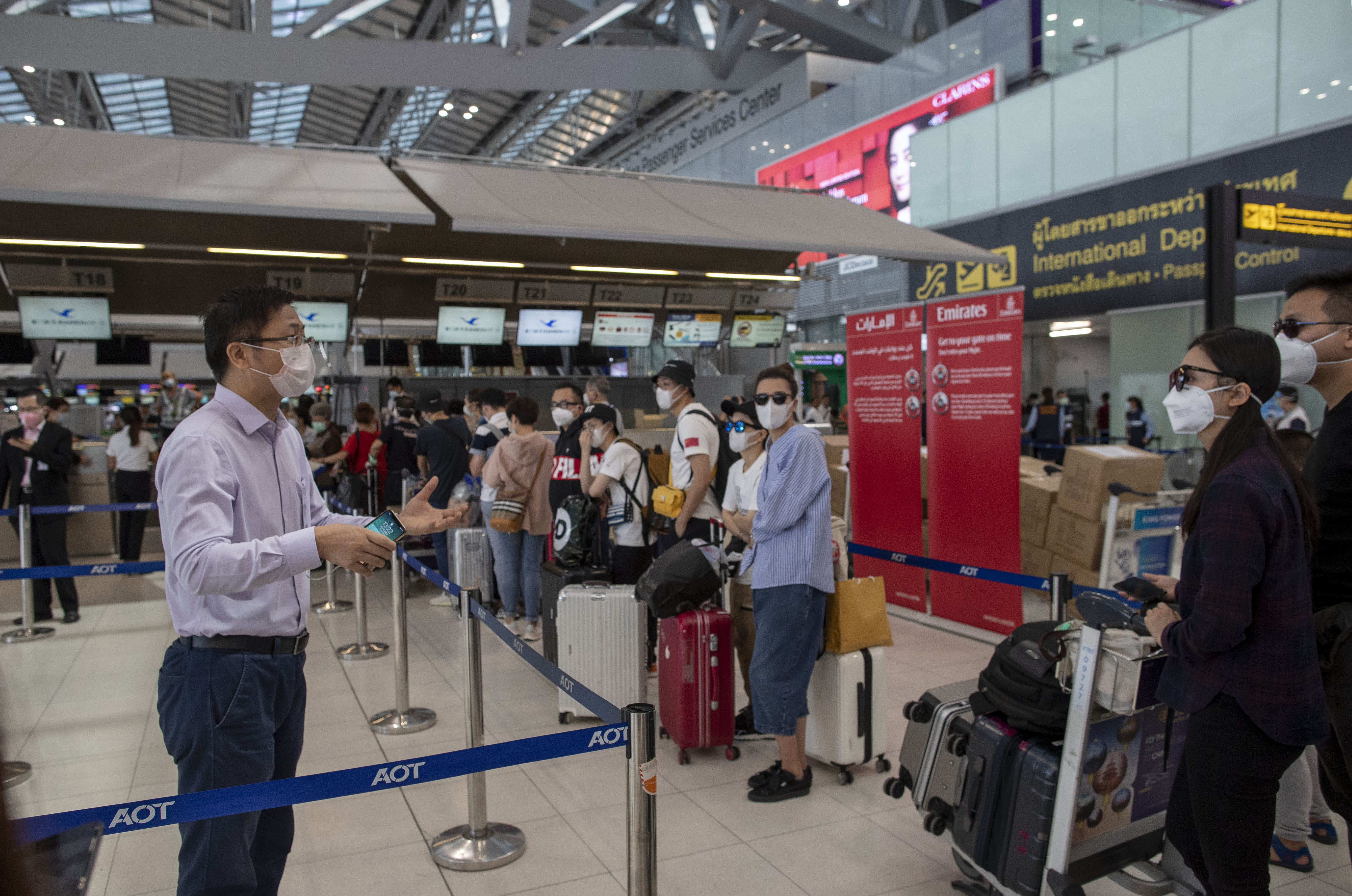 Thai holiday over, Chinese visitors fly home to Wuhan