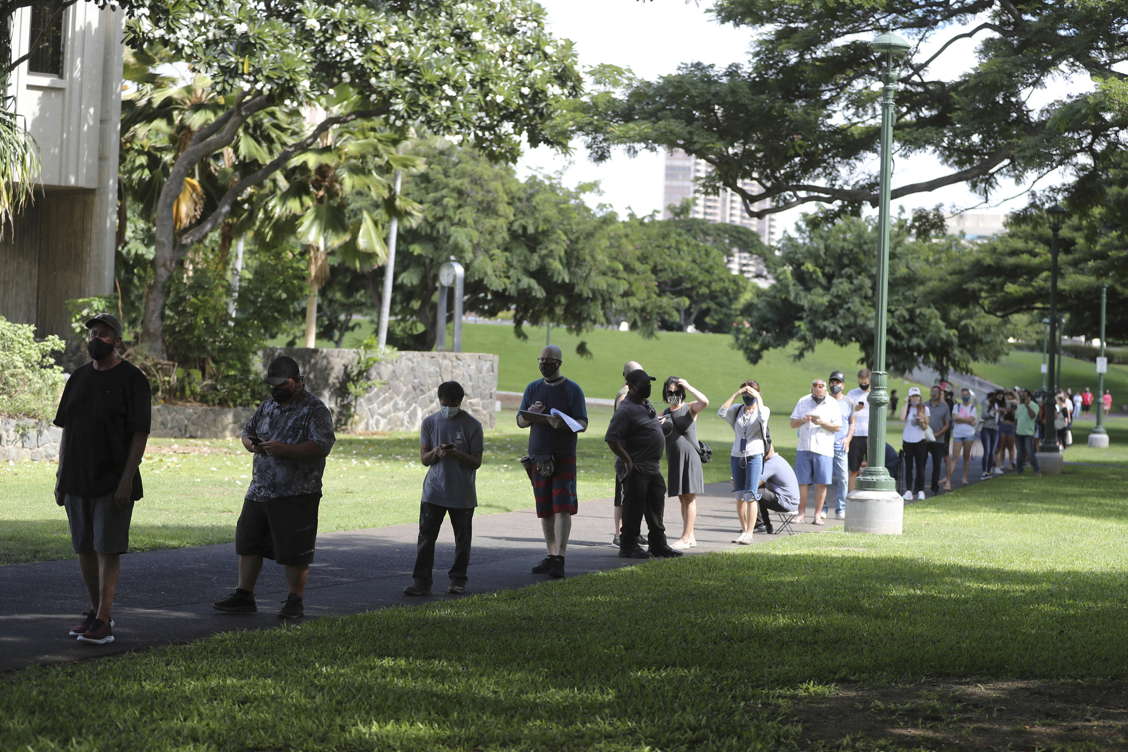 Long wait for Hawaii vote spurs call for more voter centers