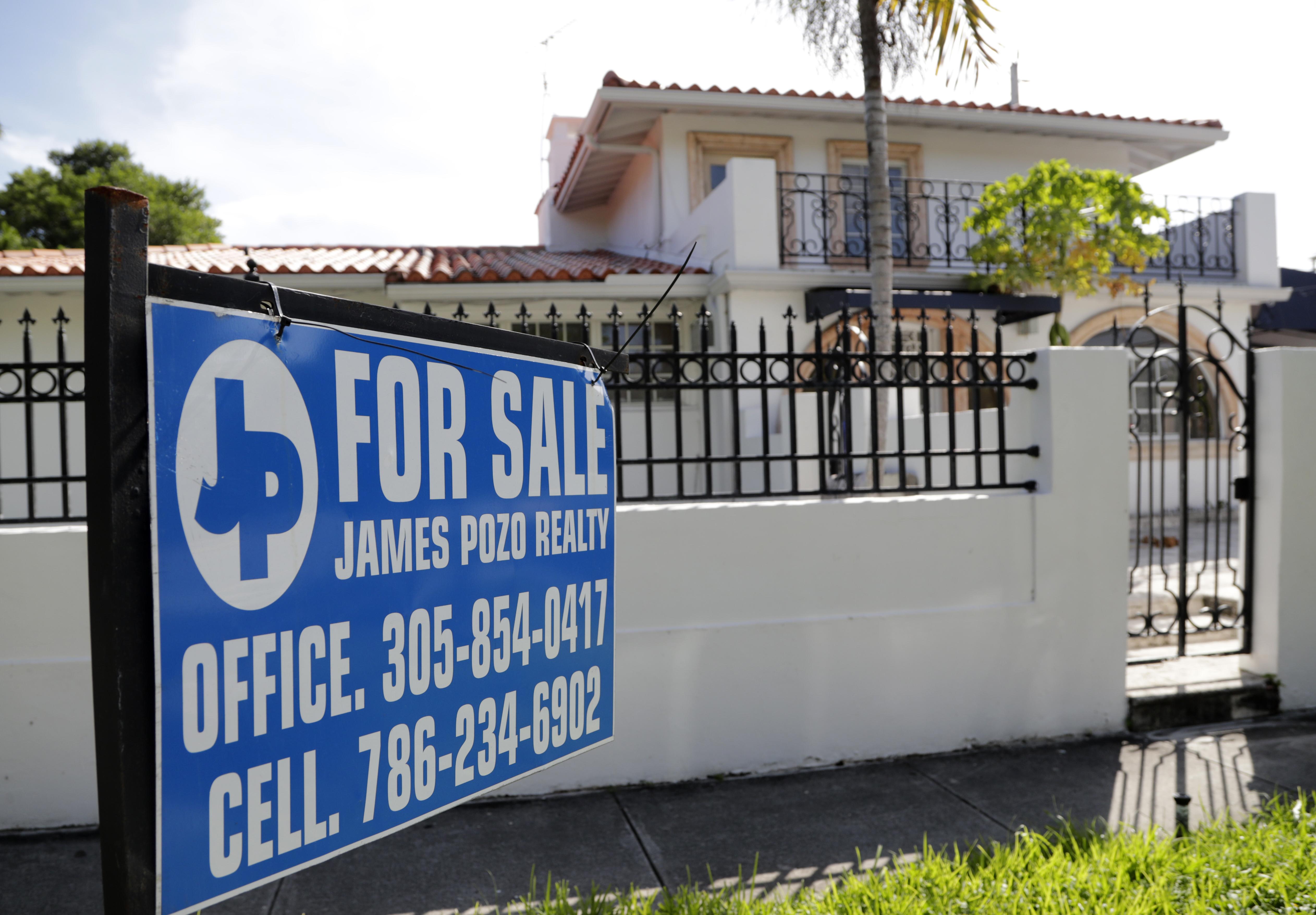 US long-term mortgage rates fall; 30-year average at 3.75%