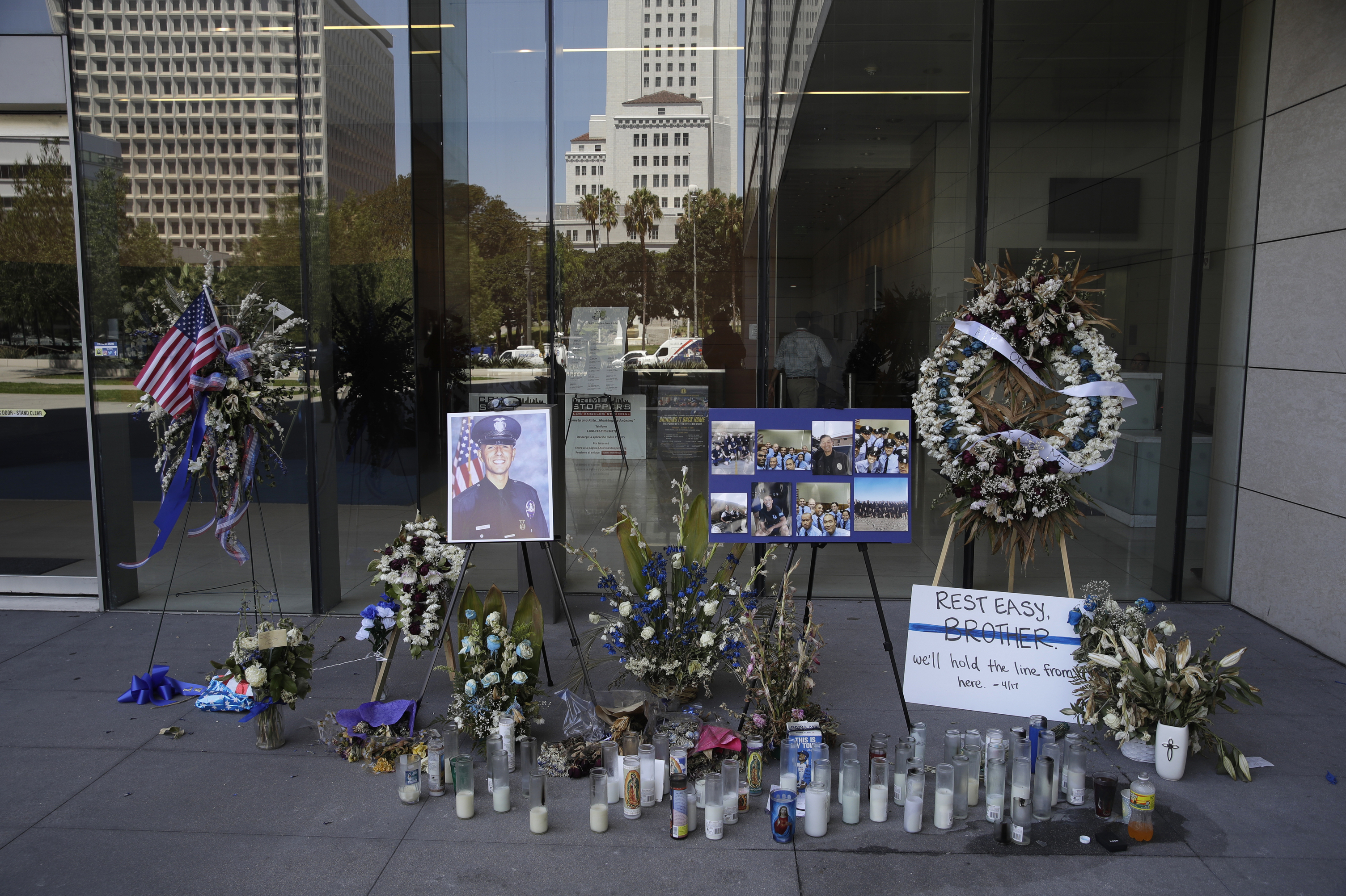 Police: Killing of LA officer part of series of crimes