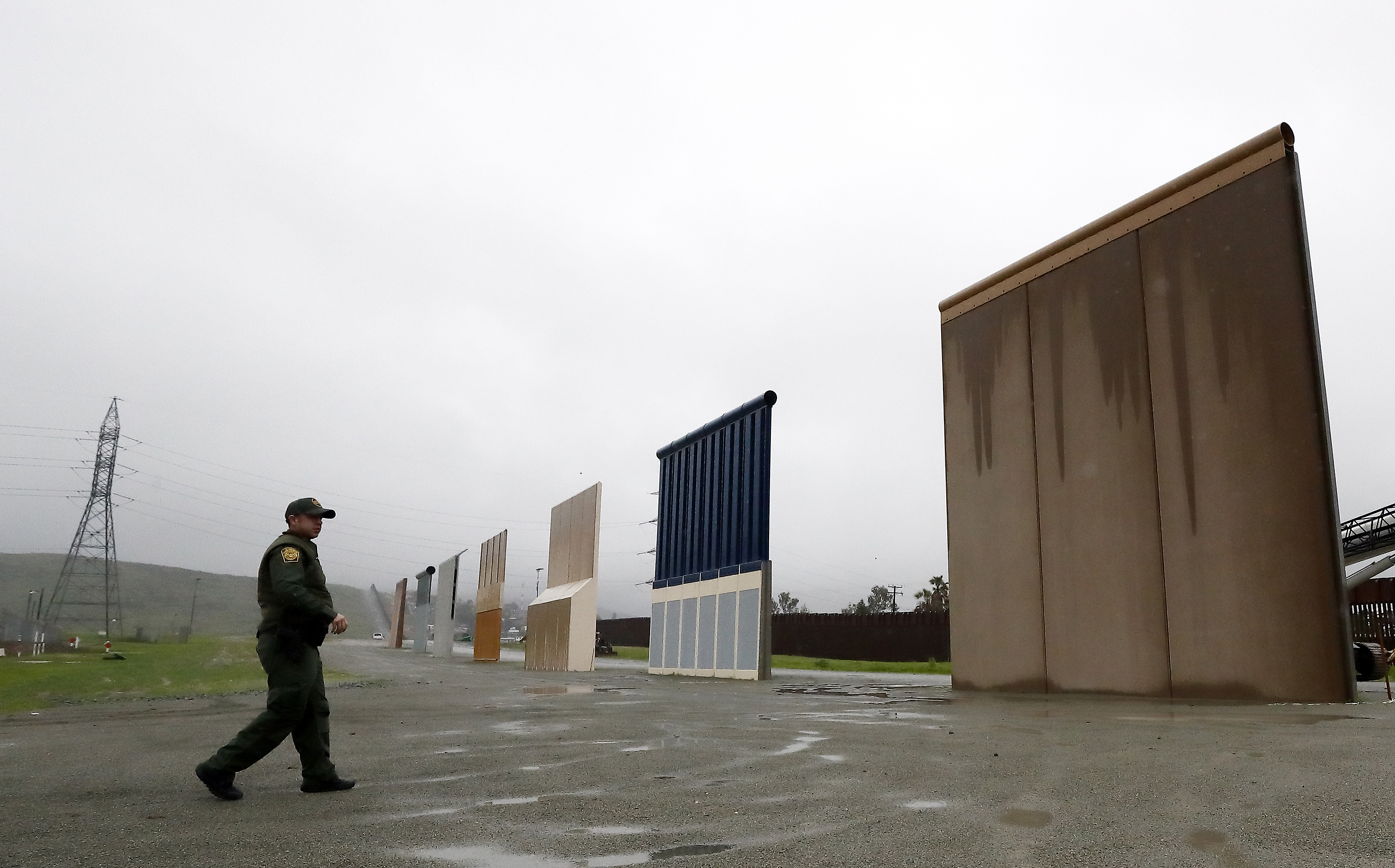 Appeals court: Trump cant use Pentagon cash for border wall