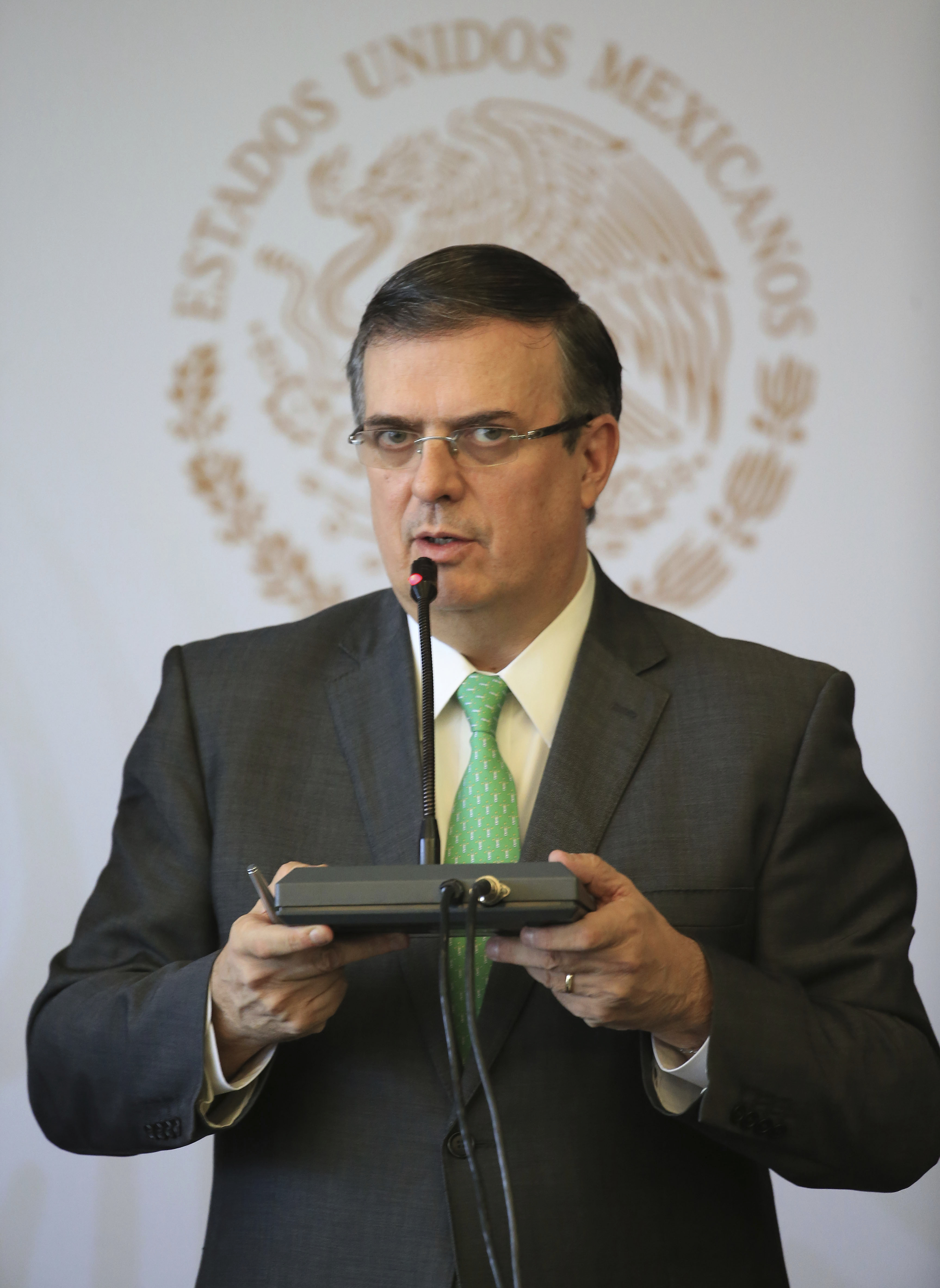 Mexico, US to launch plan against arms smuggling at border