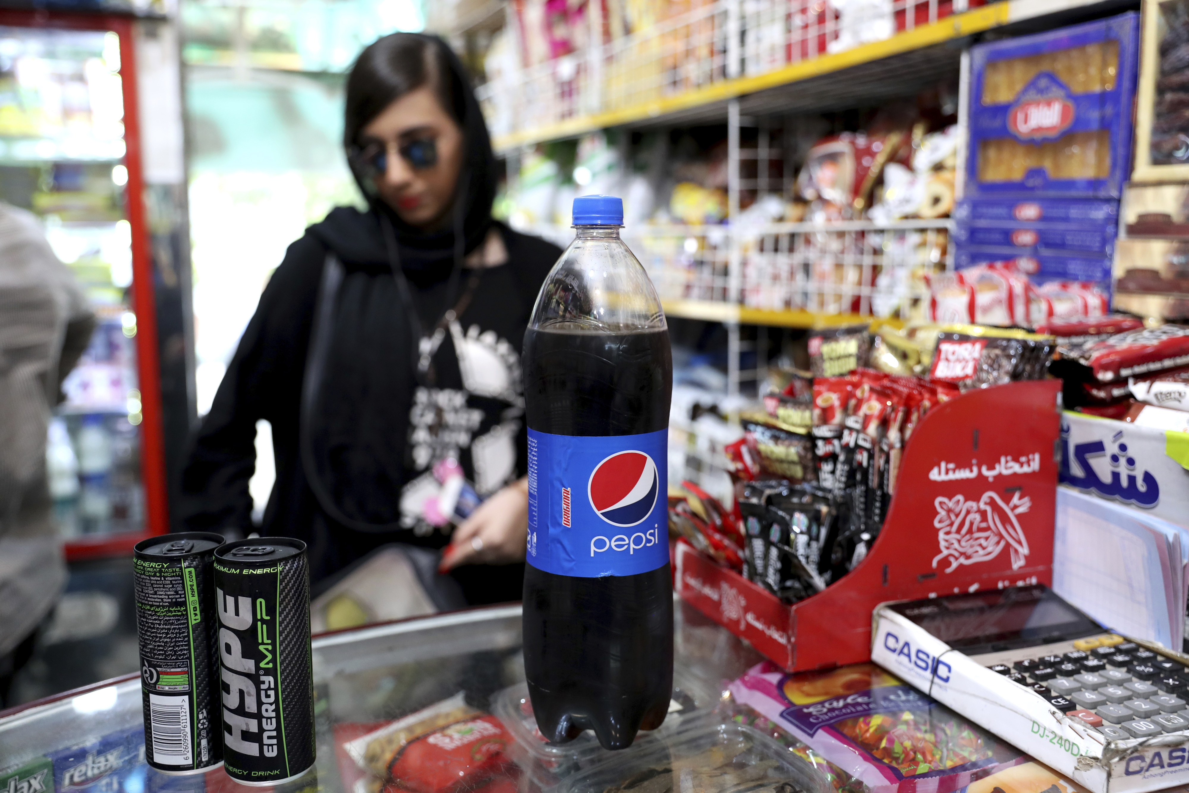 From hot sauce to pop gloss, US products seep into Iran