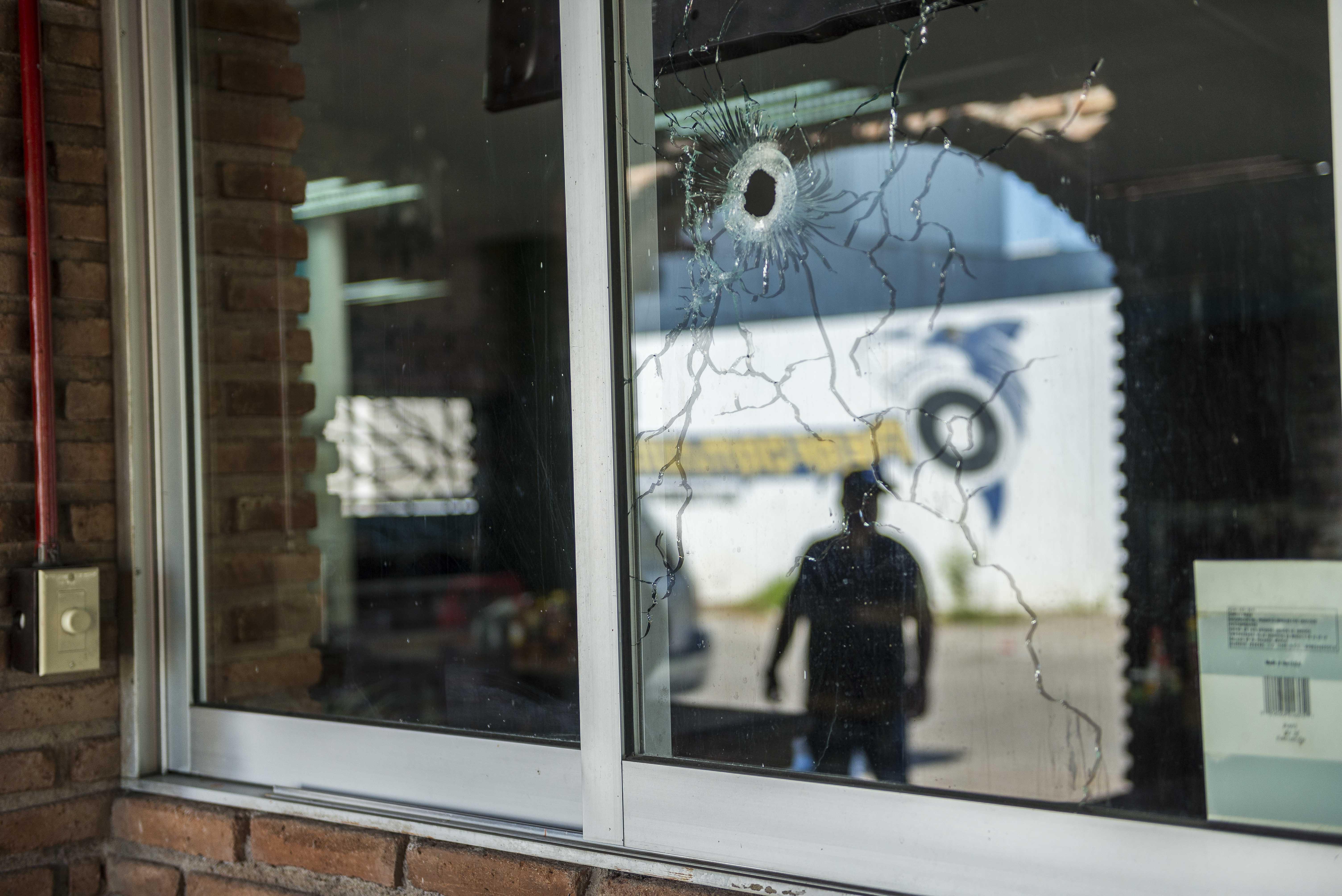 Mexicos Culiacan tries to regroup after fierce gunbattles