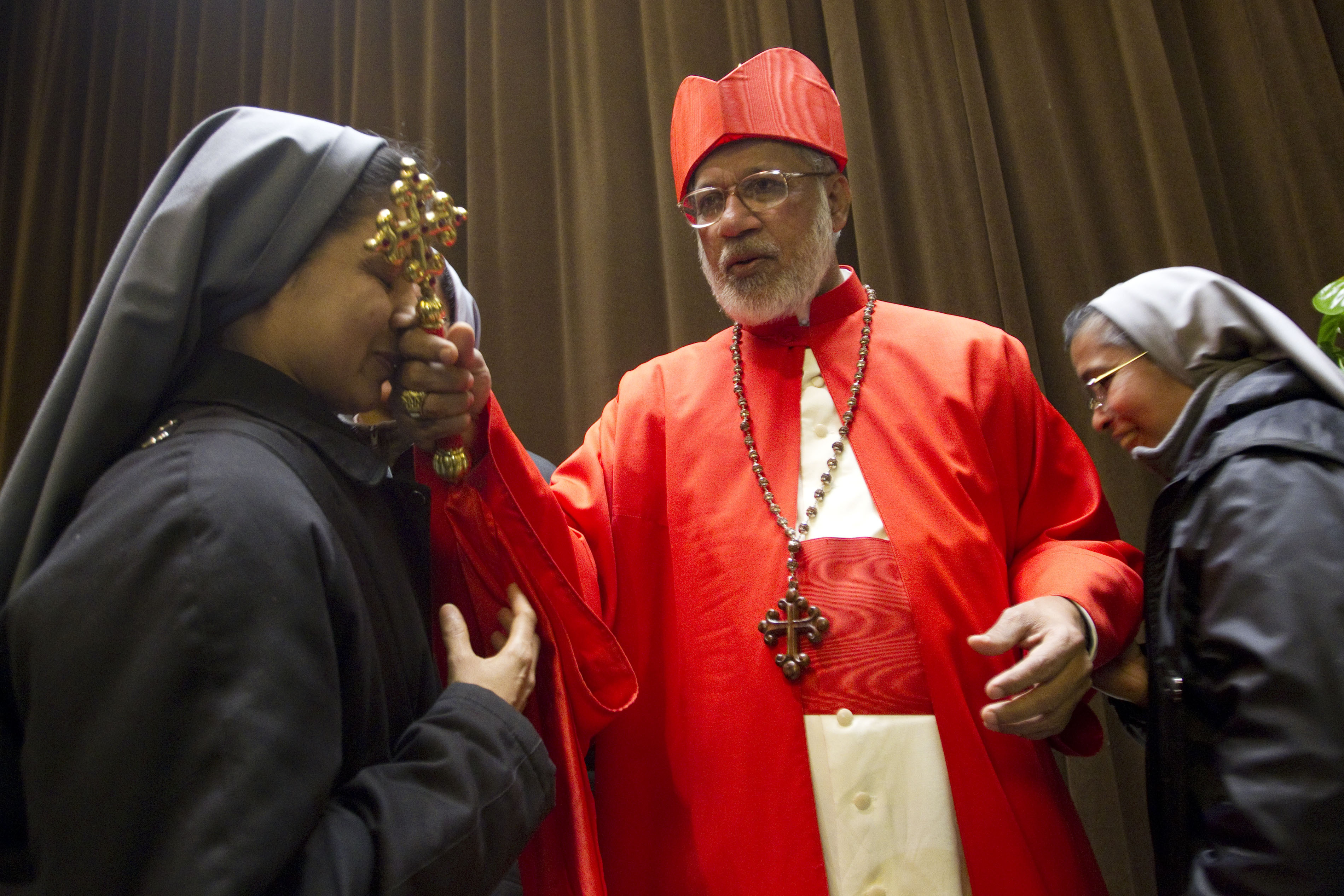 Catholic priests in India protest cardinals return