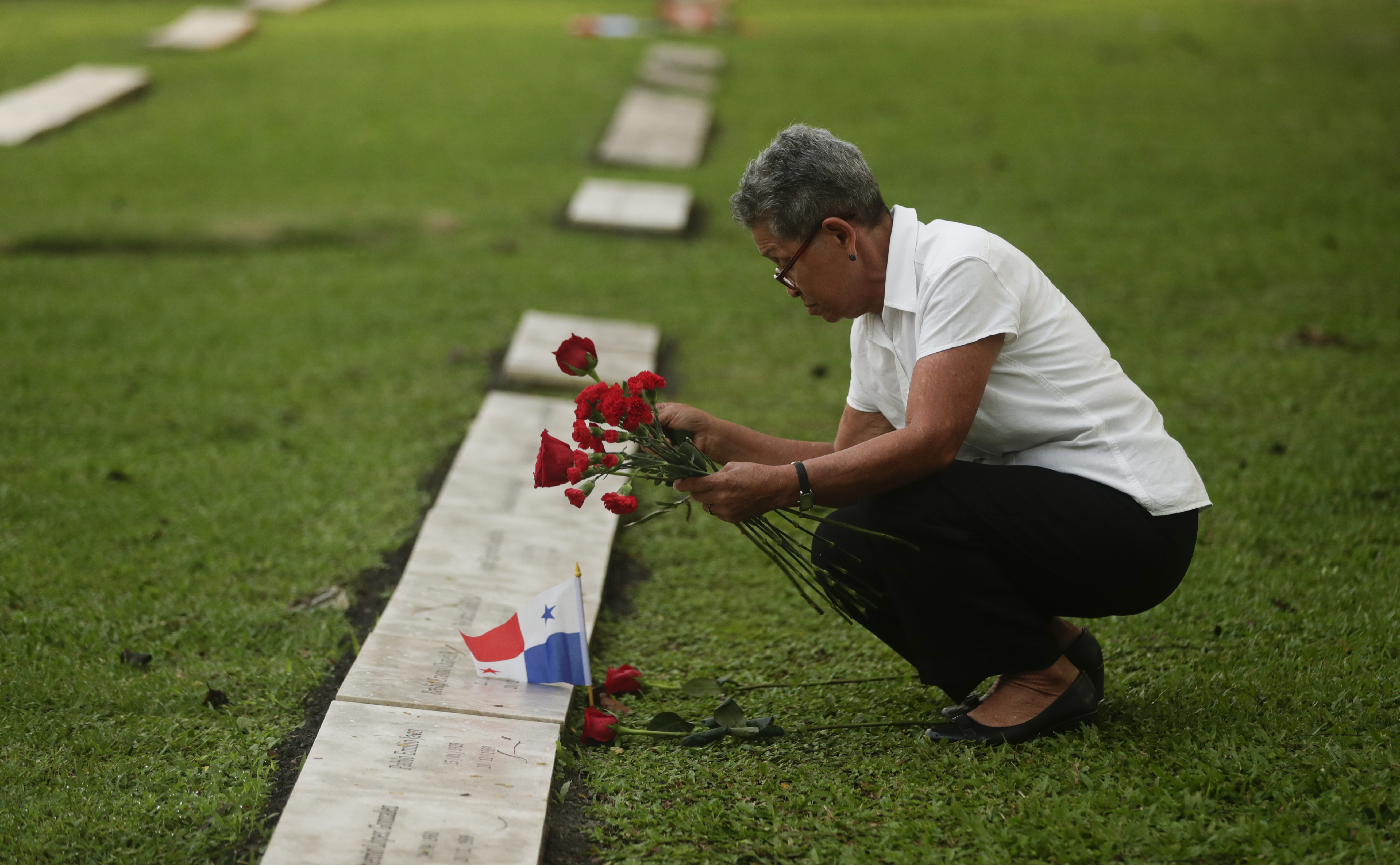 Panama begins exhumation of victims from 1989 US invasion
