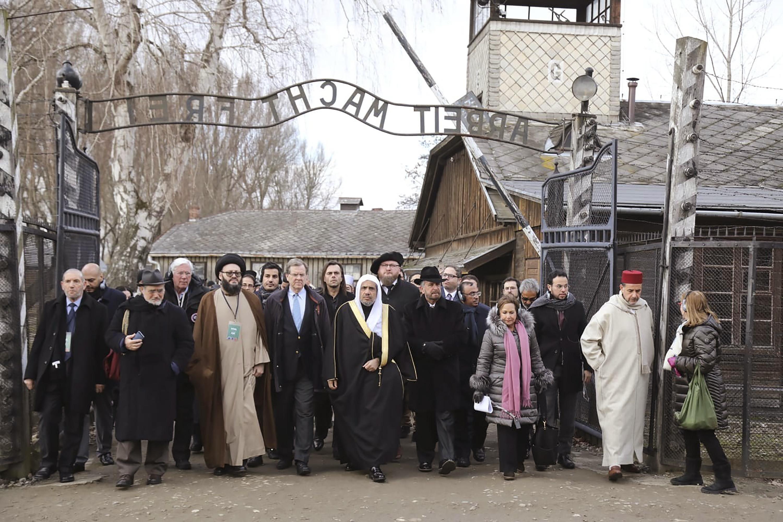 Islamic leaders make groundbreaking visit to Auschwitz