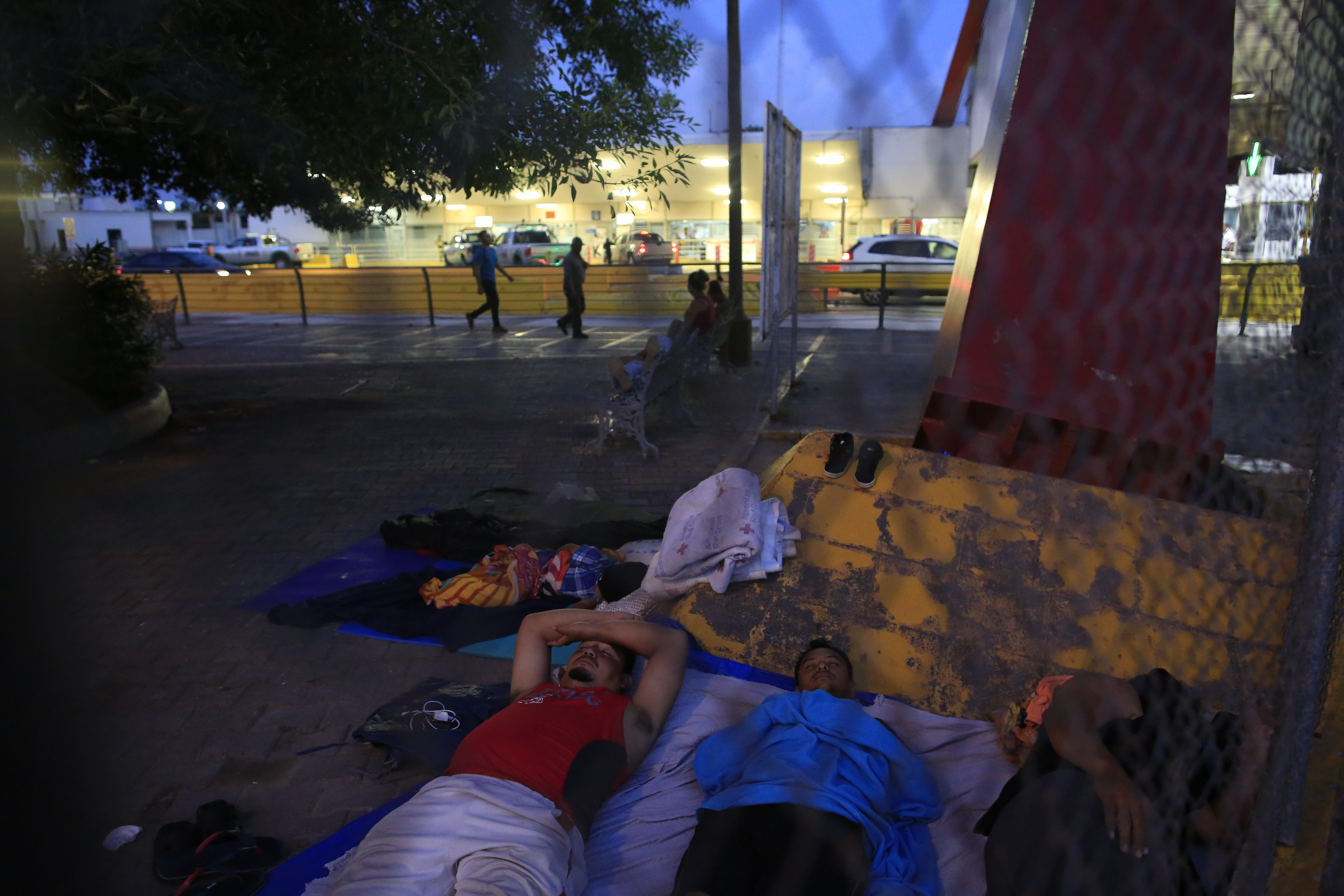 Group say conditions dire for asylum seekers stuck in Mexico