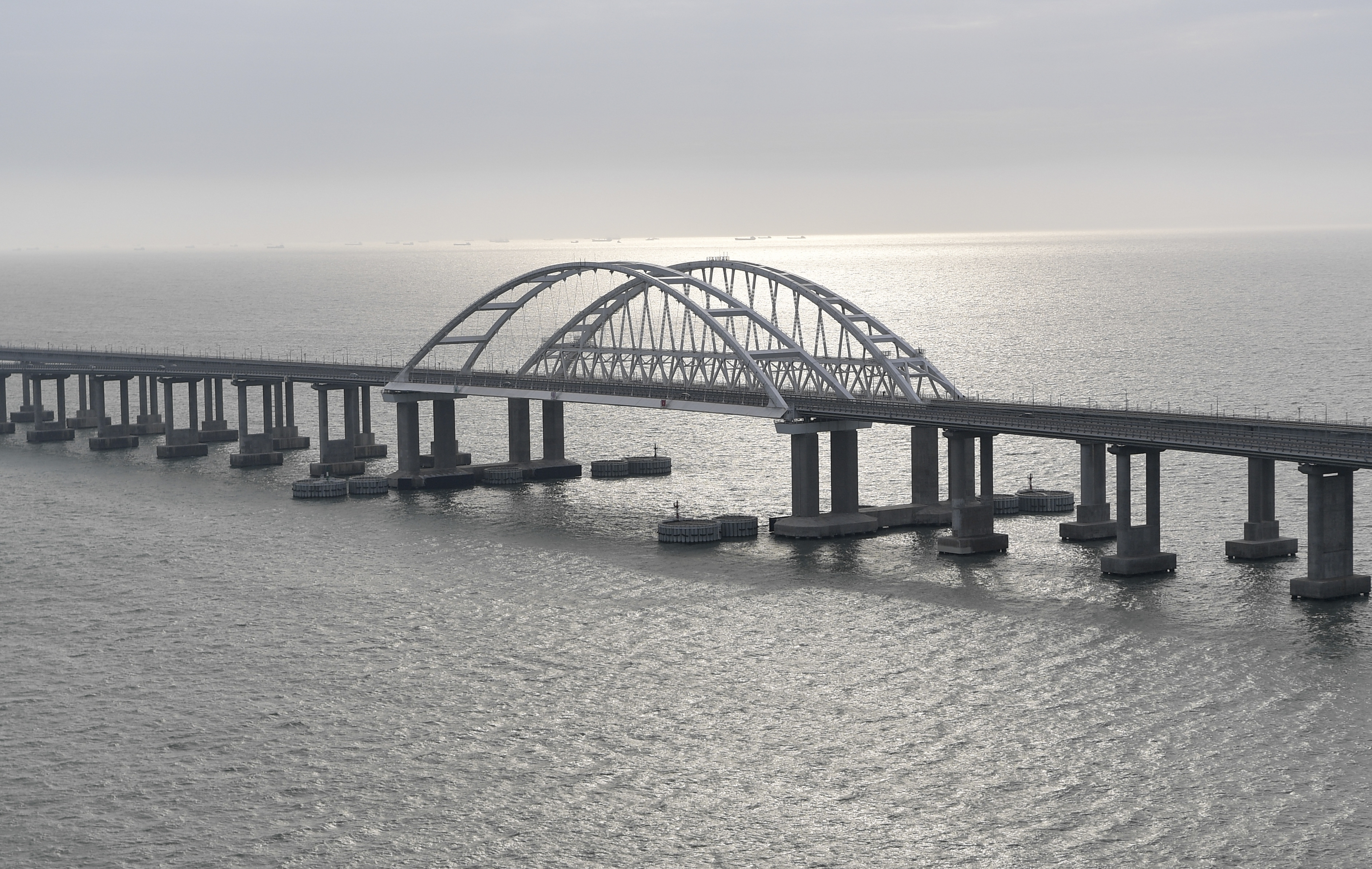 US hits Russian railroad with sanctions over Crimea