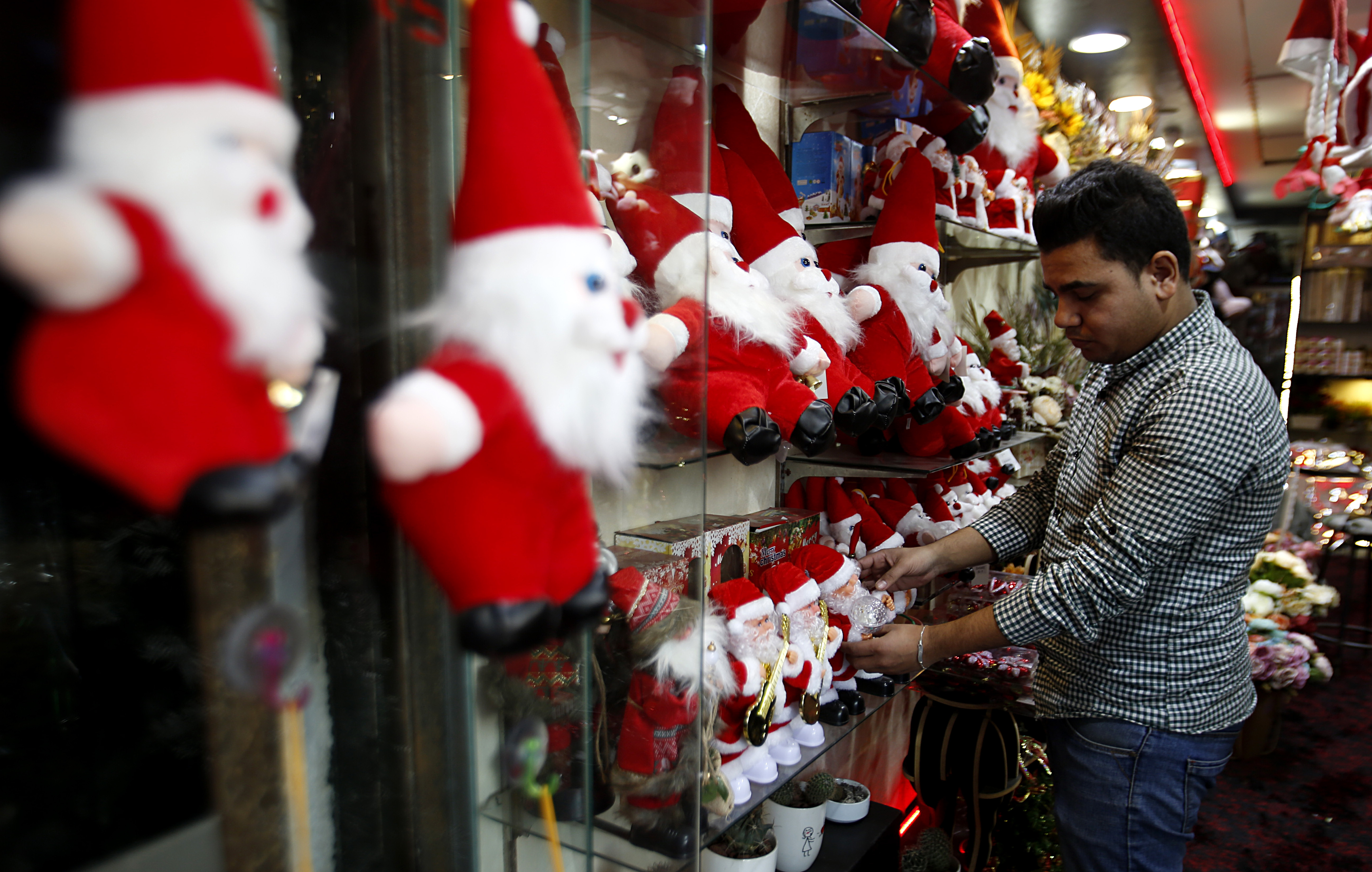 Israel to grant holiday travel permits to Gaza Christians