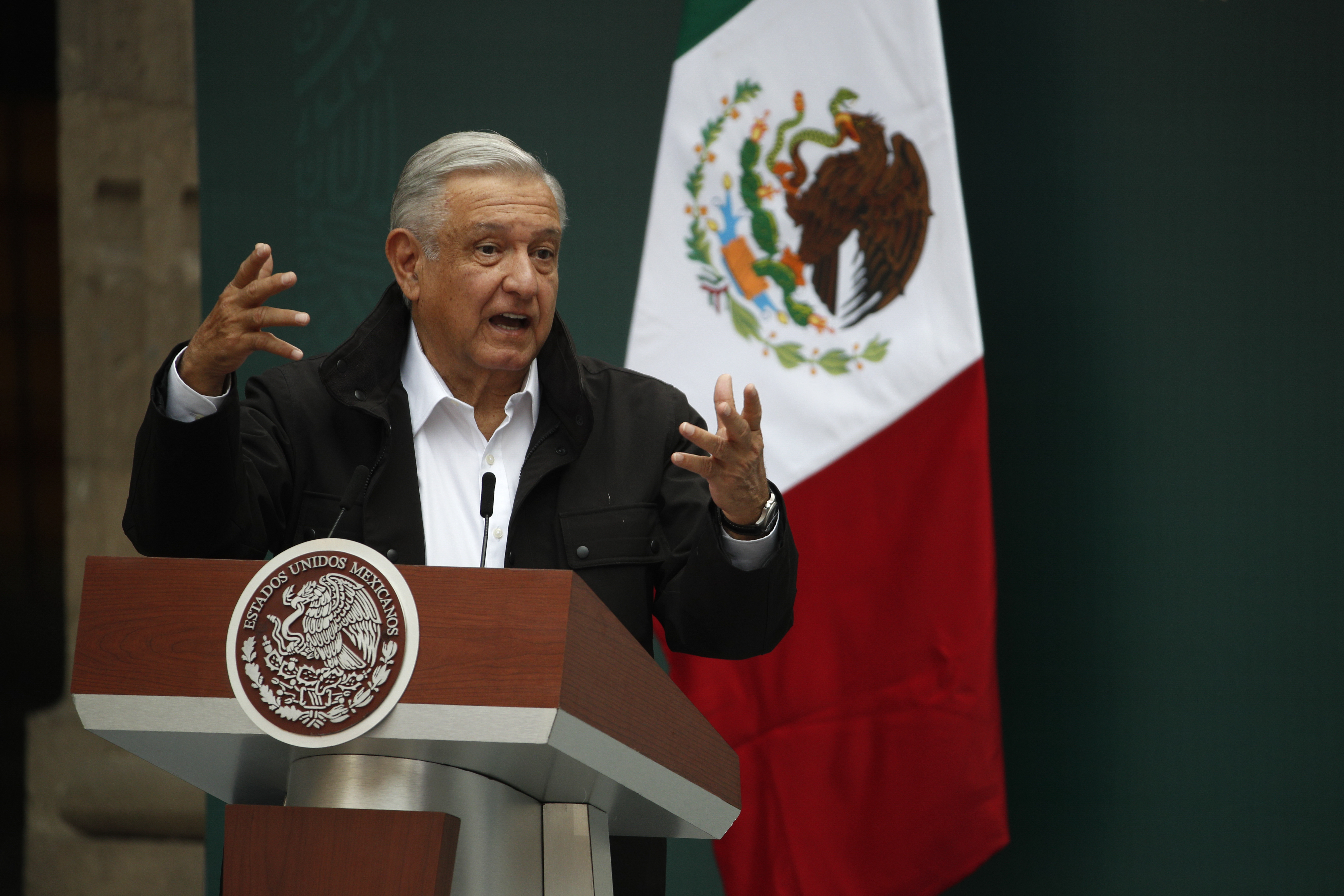 Mexican president asks Pope Francis for conquest apology
