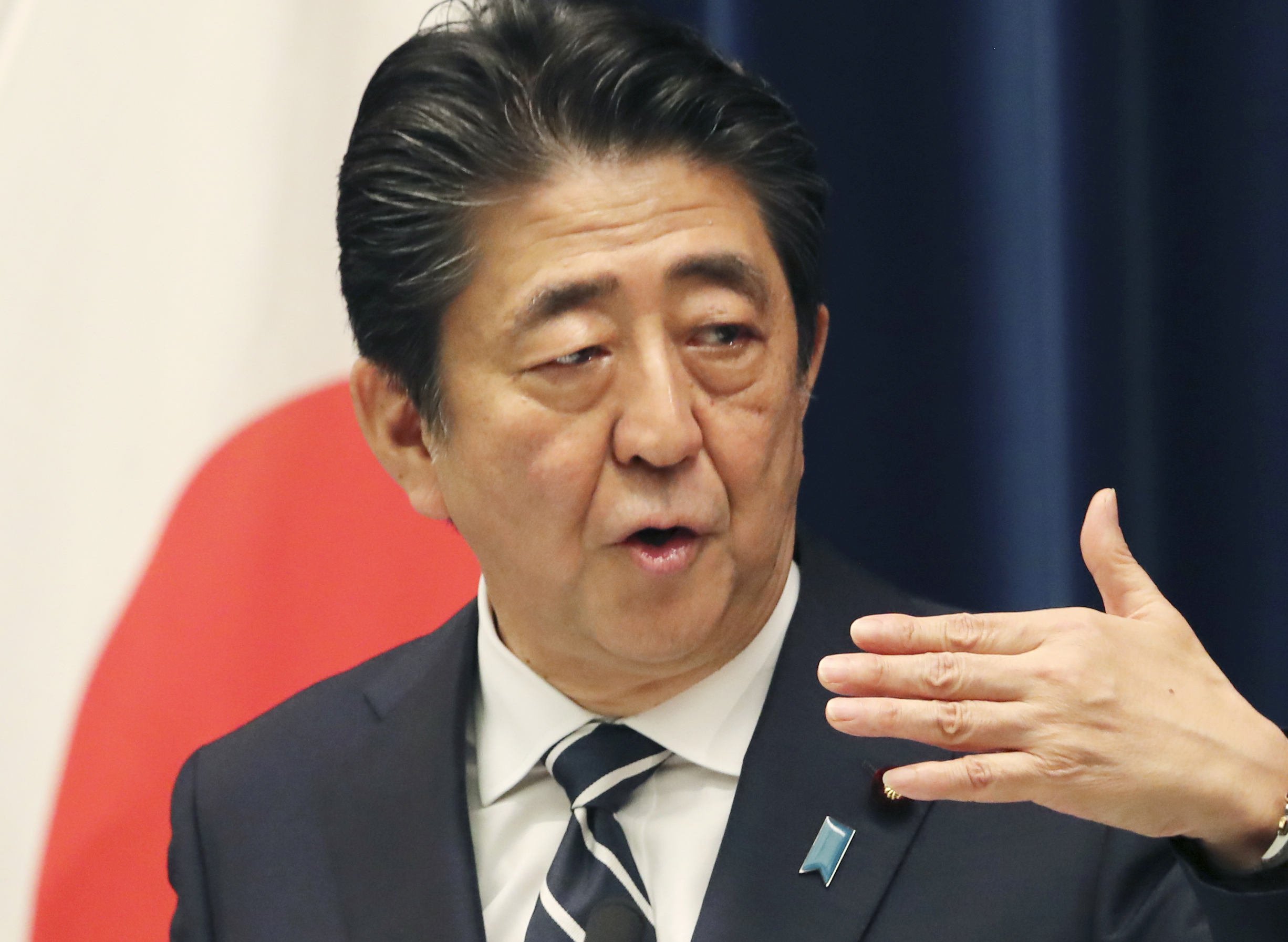Japans Abe wants G-20 to unite on trade, Middle East