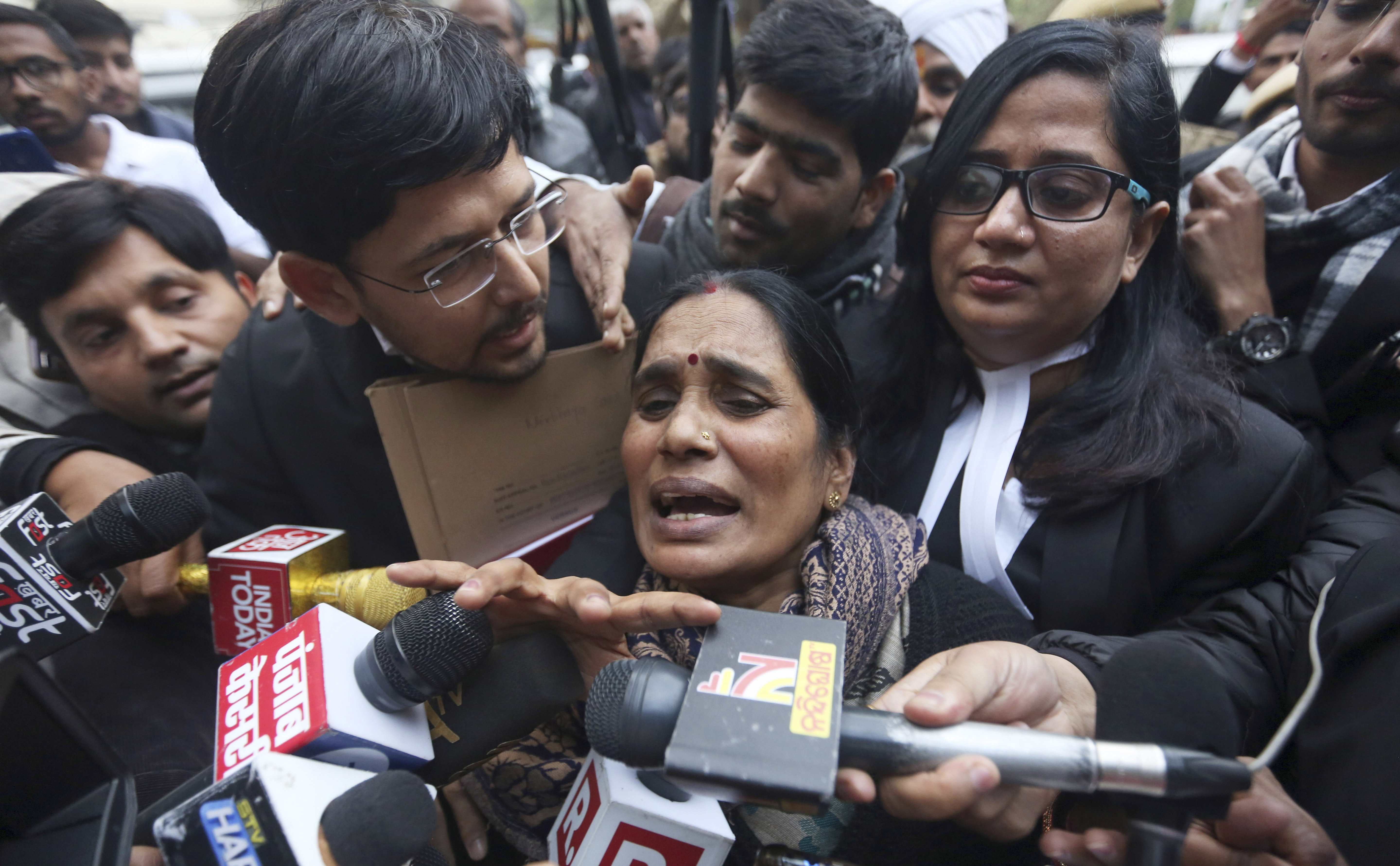 India sets 2012 gang rape convicts executions for Jan. 22