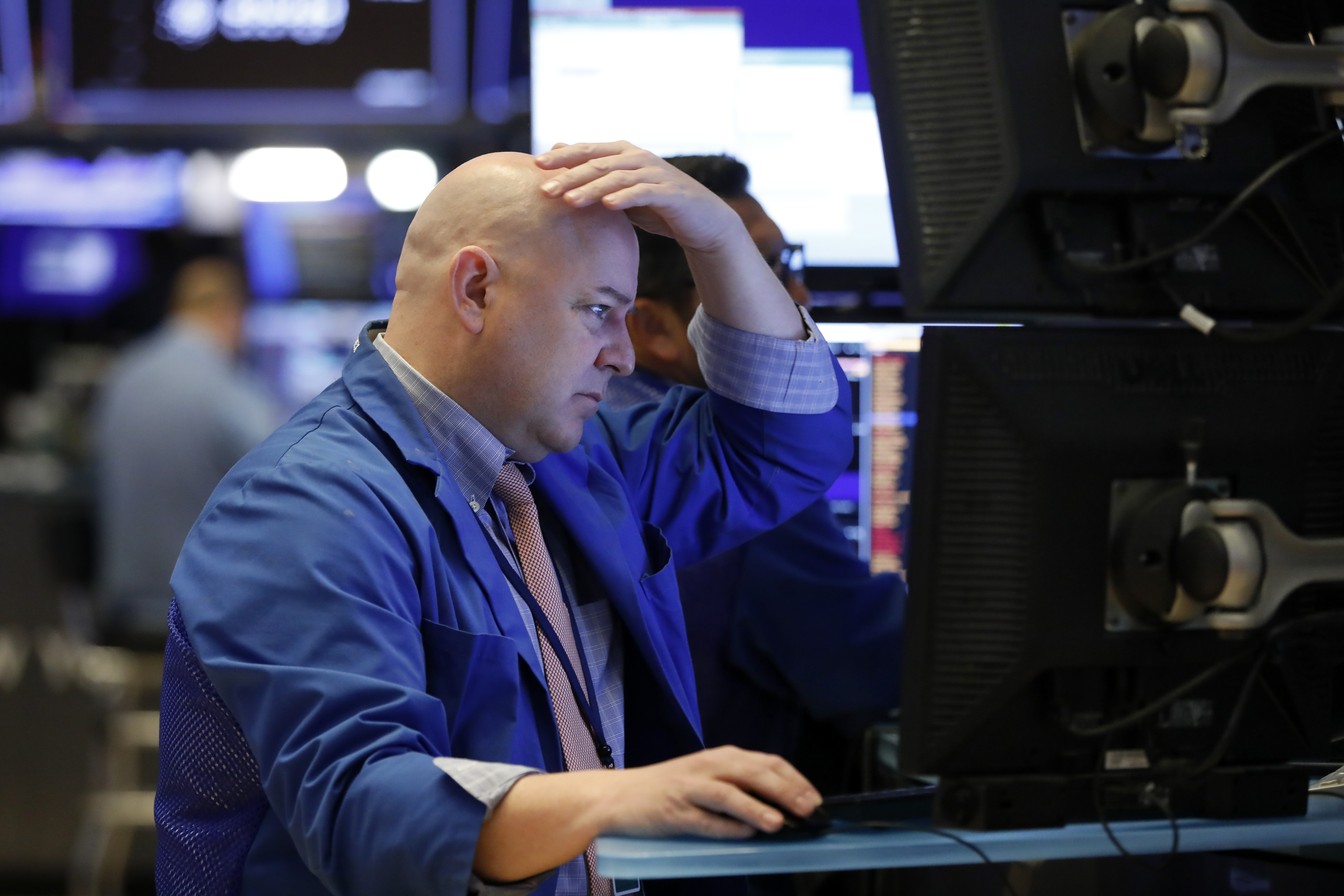 US stocks tumble amid global sell-off; Dow falls 410