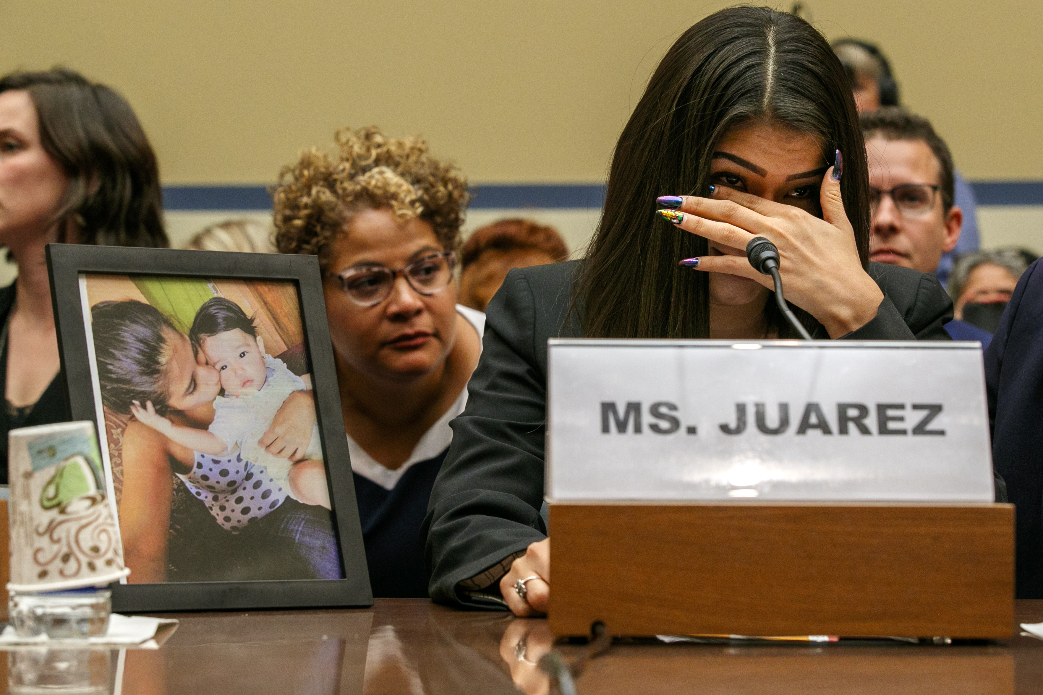 Asylum-seeker talks about daughters death after US custody