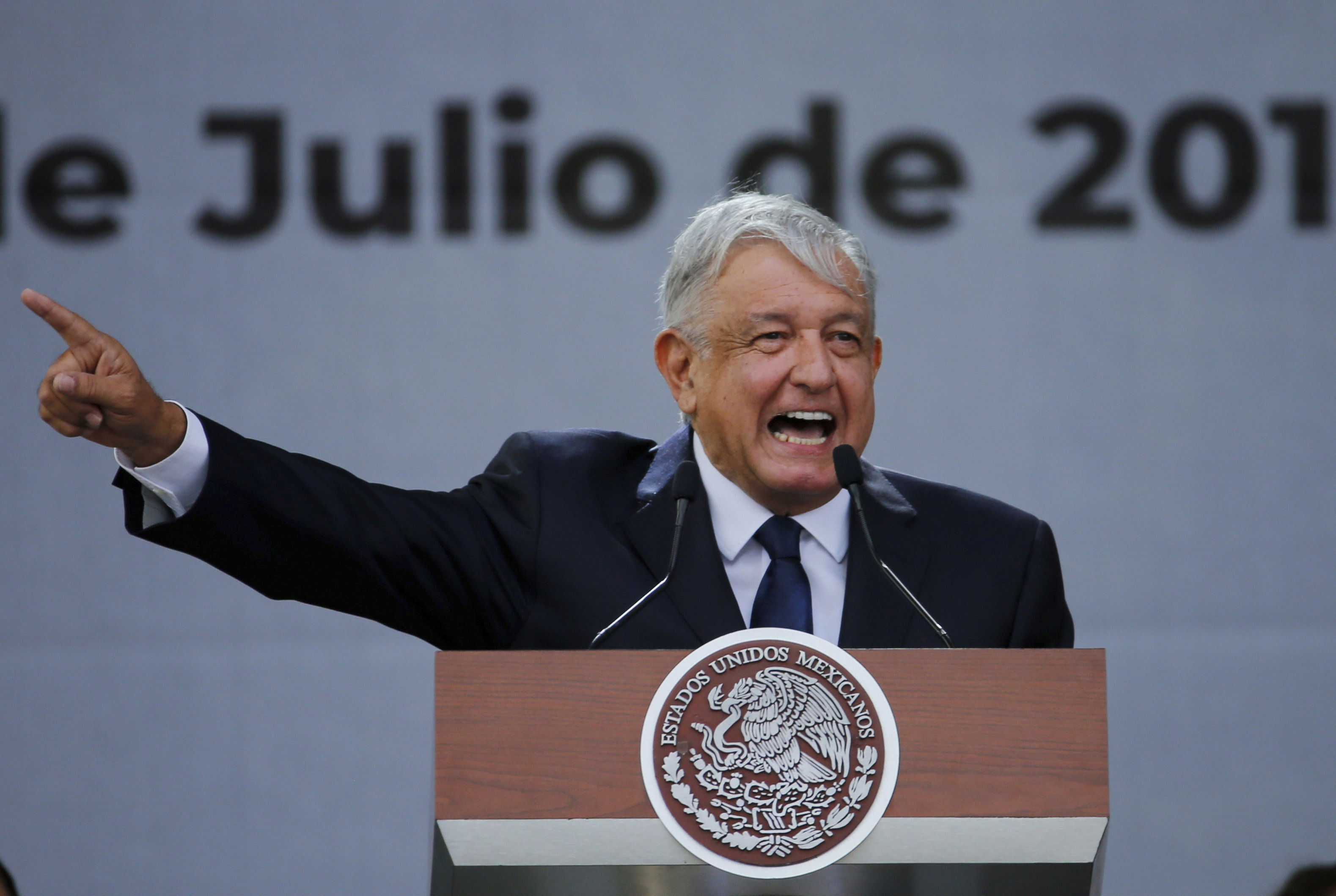 Mexico president opposes prosecuting predecessors