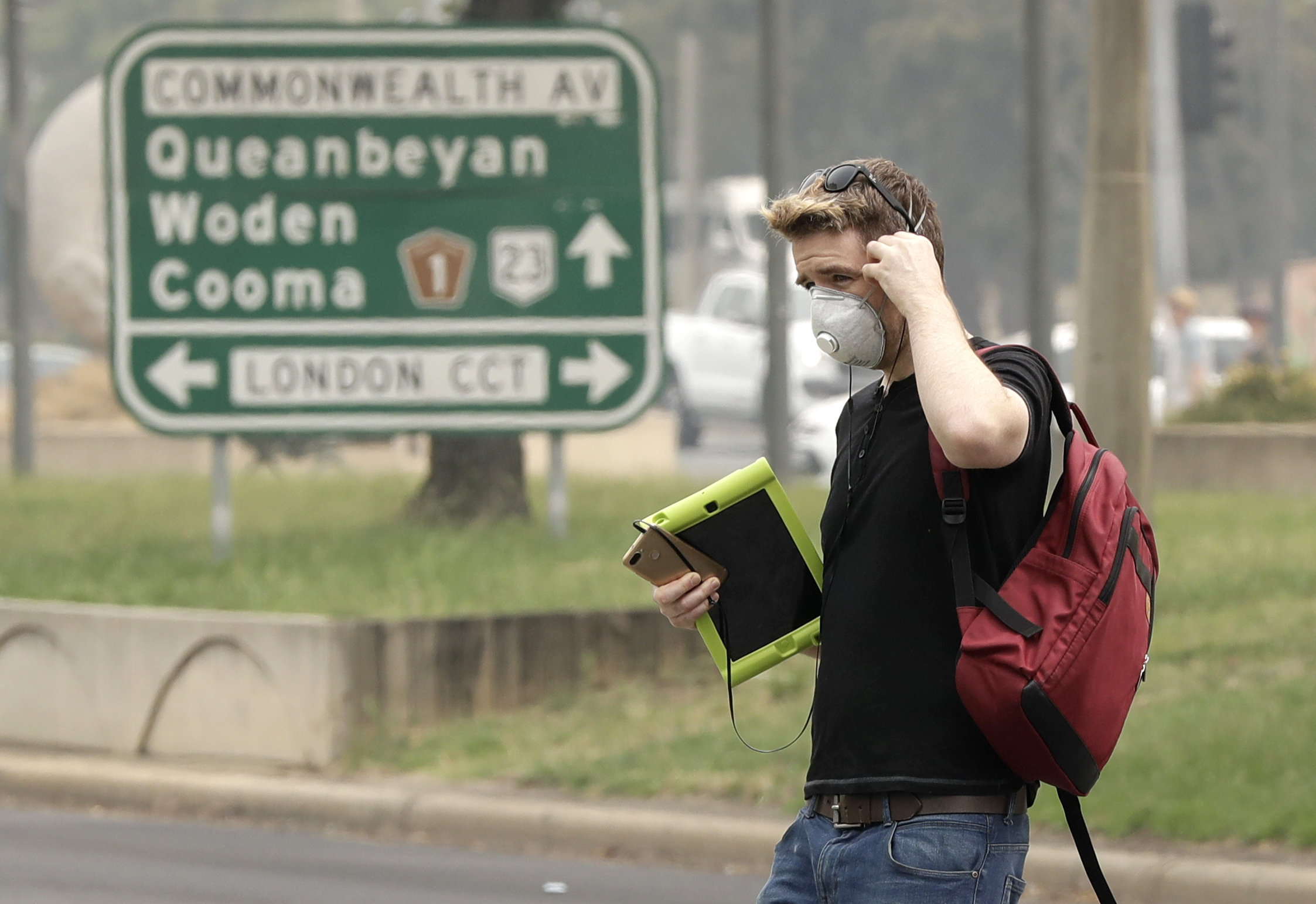 Some flee, others restock before Australian wildfires worsen