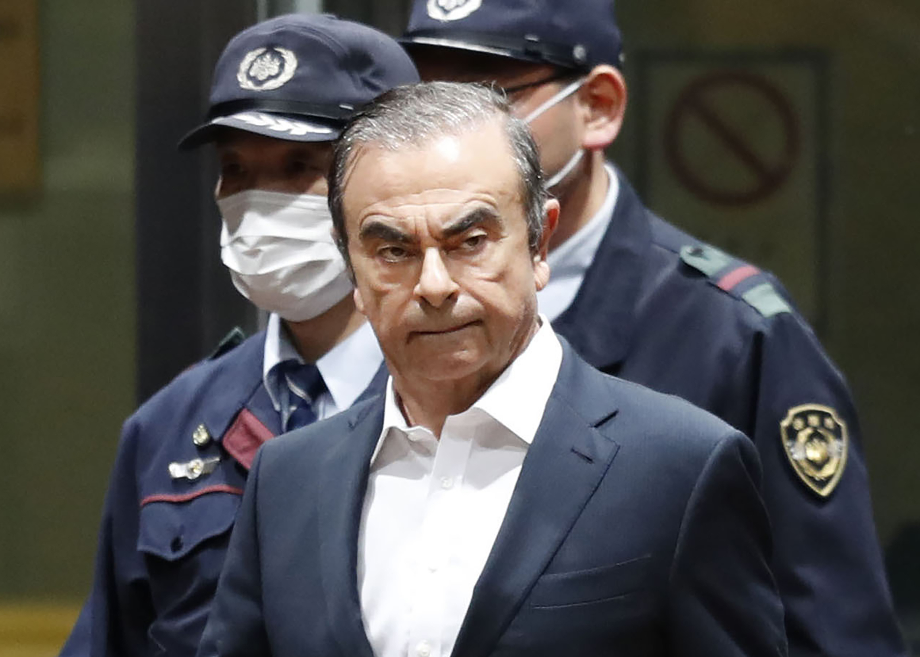 Nissan ex-chair Ghosn cancels news conference in Tokyo