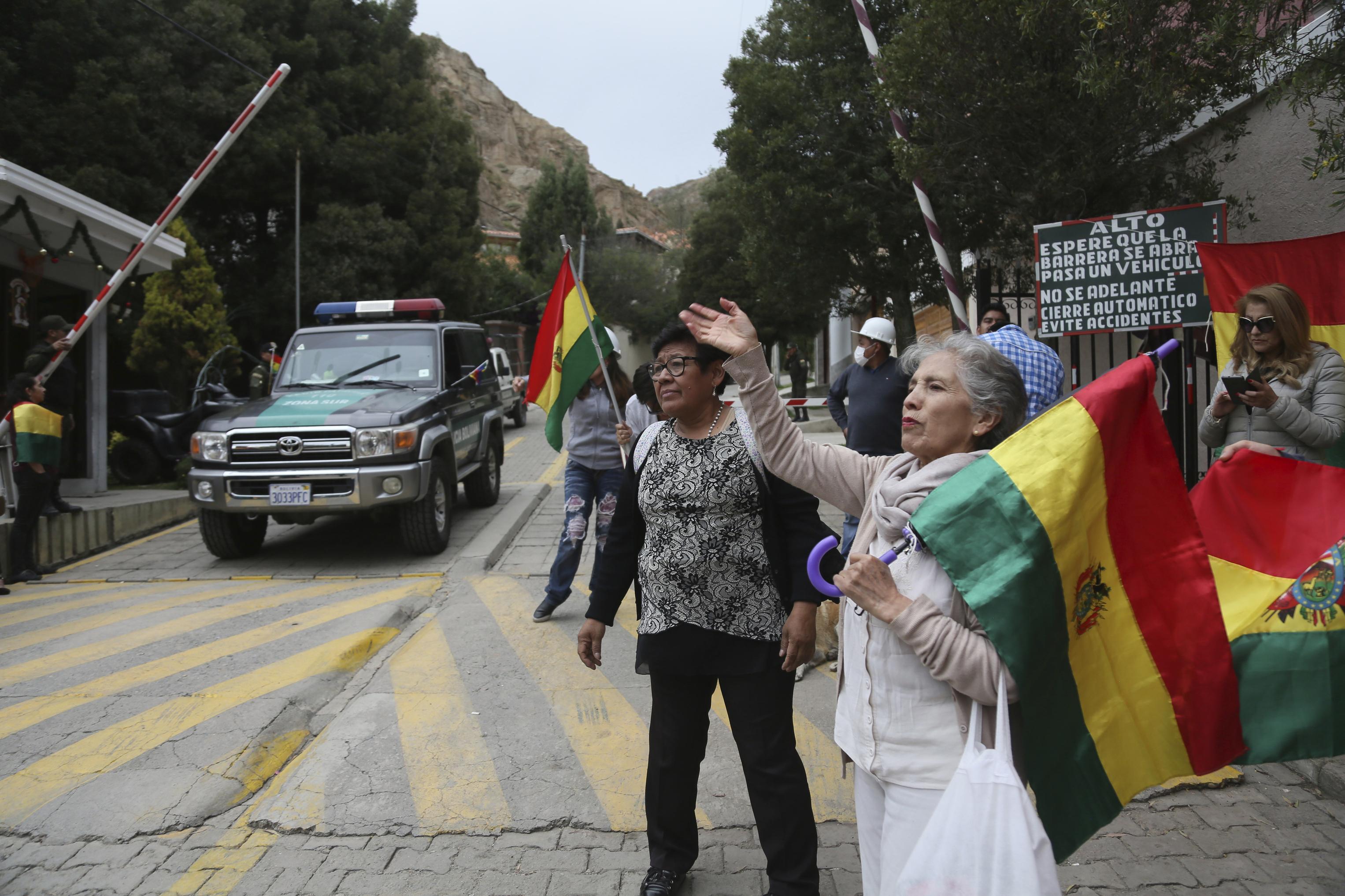 Bolivia says its expelling Mexican ambassador