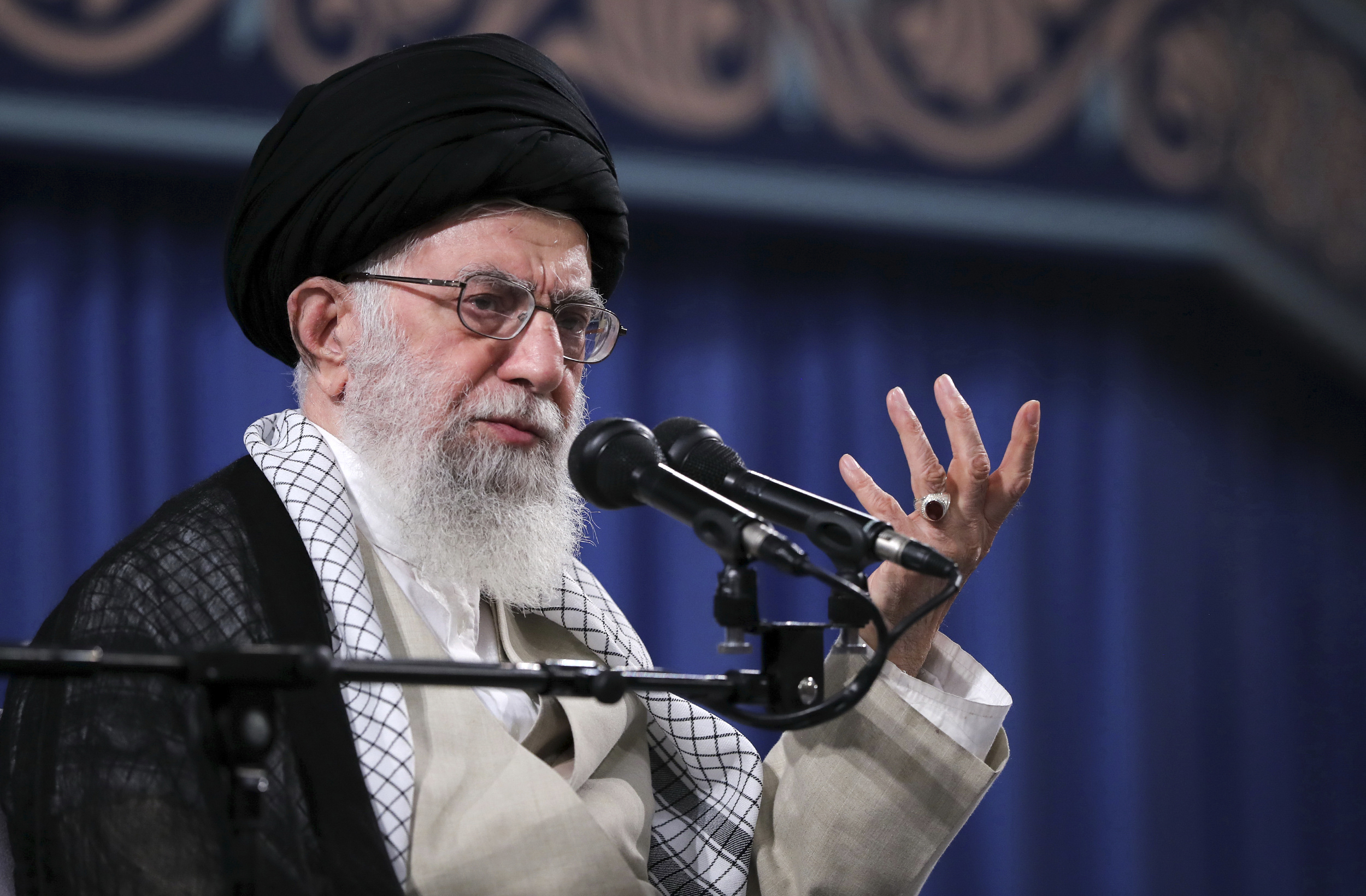 Irans top leader to lead Friday prayers at time of crisis