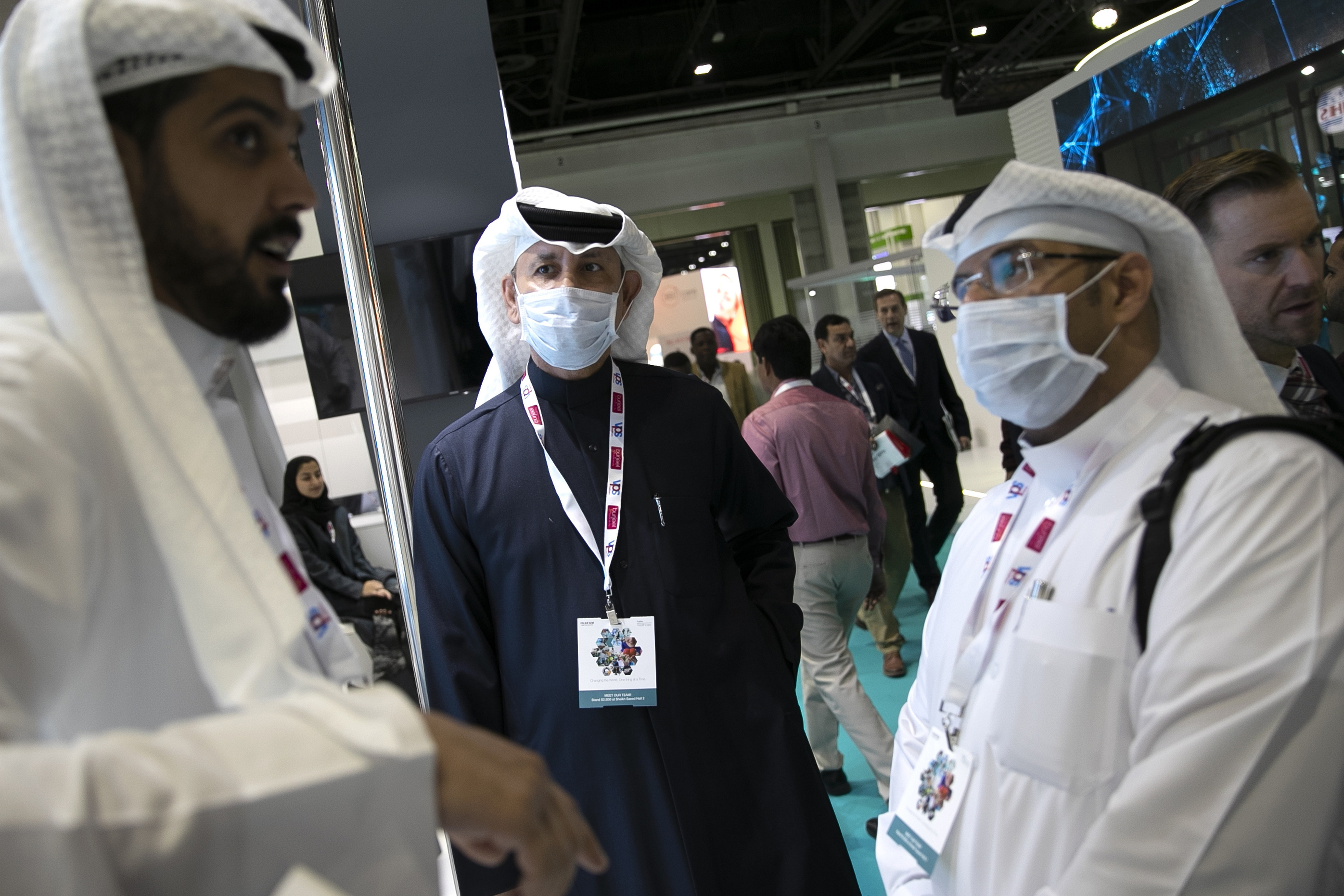 UAE confirms 4 Chinese tourists have virus, first in Mideast