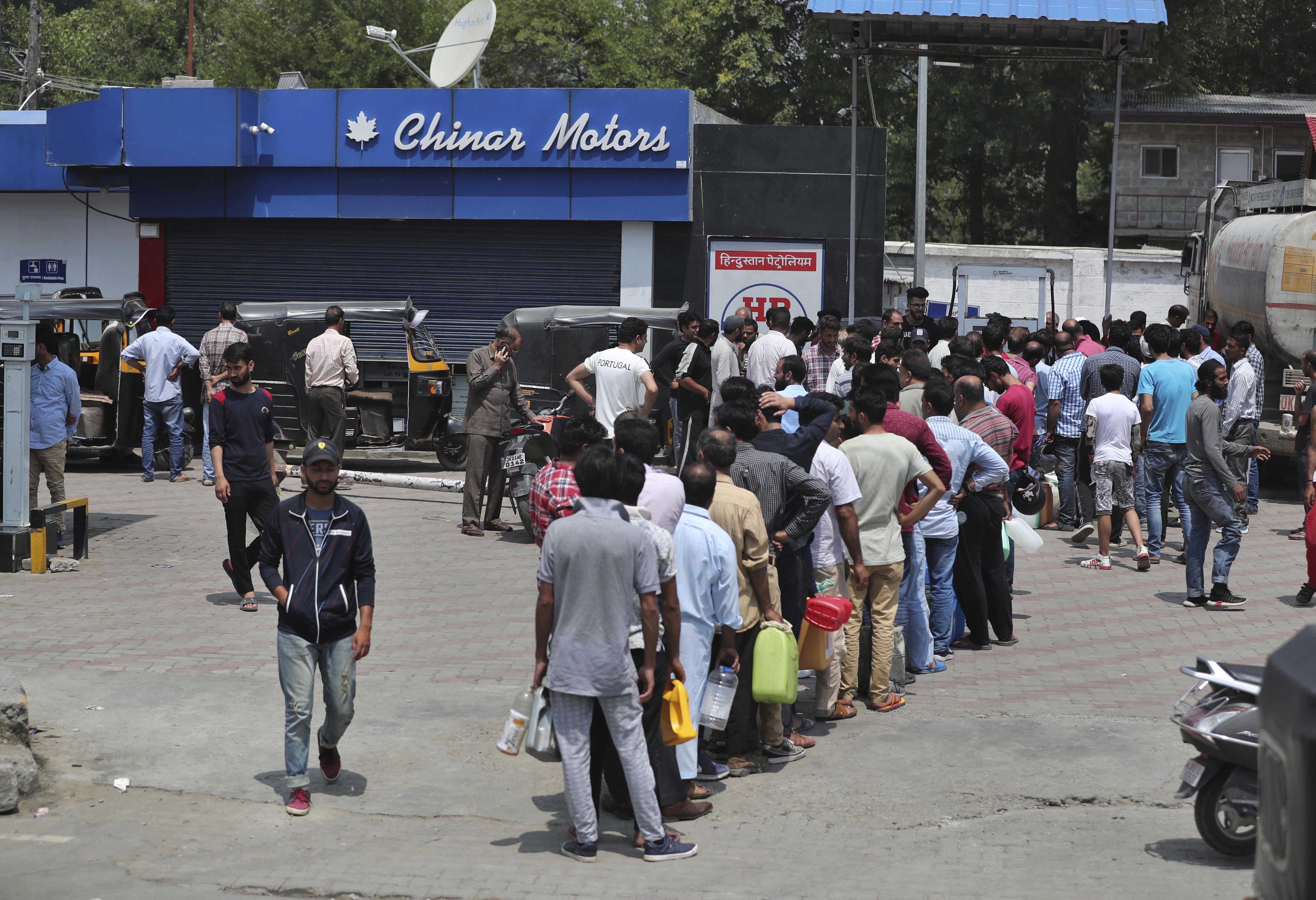 Kashmir tensions intensify amid India-Pakistan skirmishes