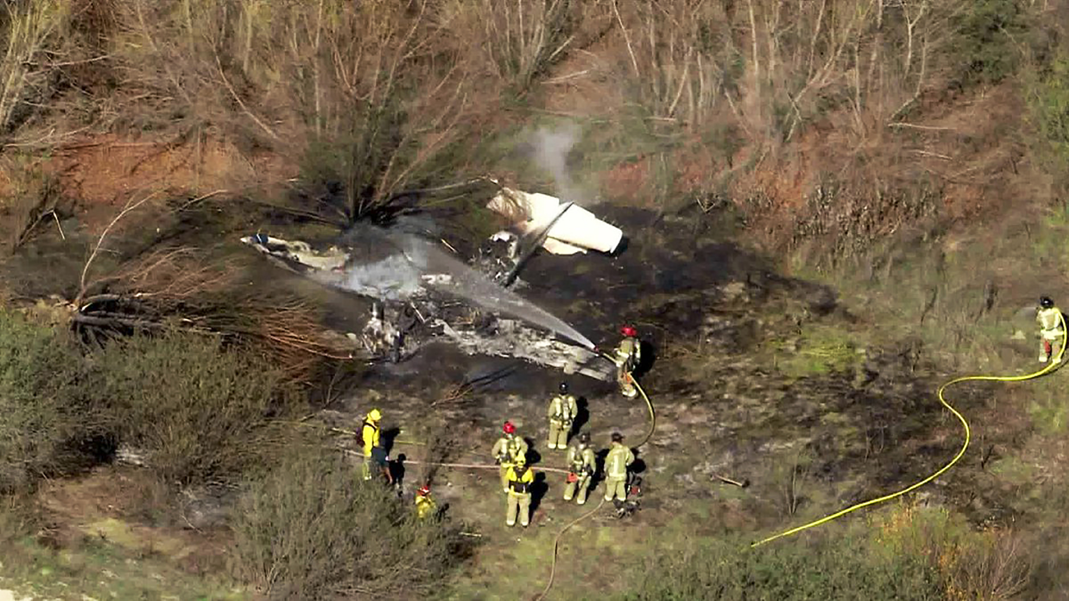 4 killed in plane crash at Southern California airfield