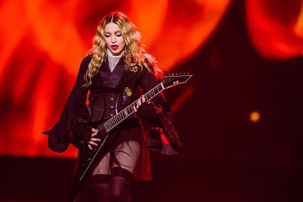 根據Billboard,瑪丹娜是目前全世界擁有最高演唱會巡演票房收入的女藝人,總額超過10億美元。