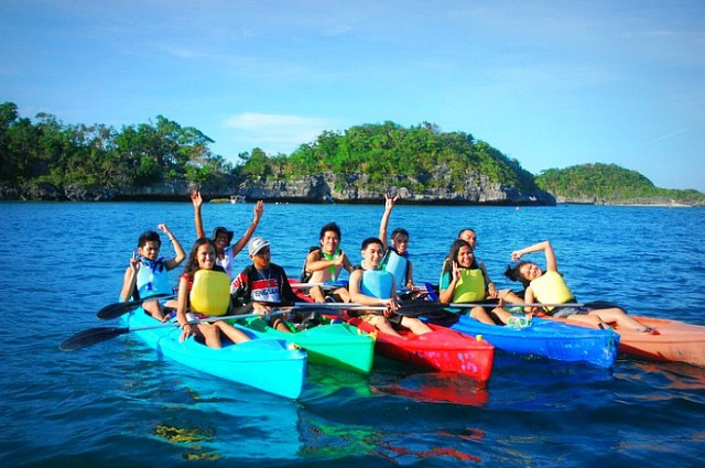 How To Get To Hundred Islands From Manila