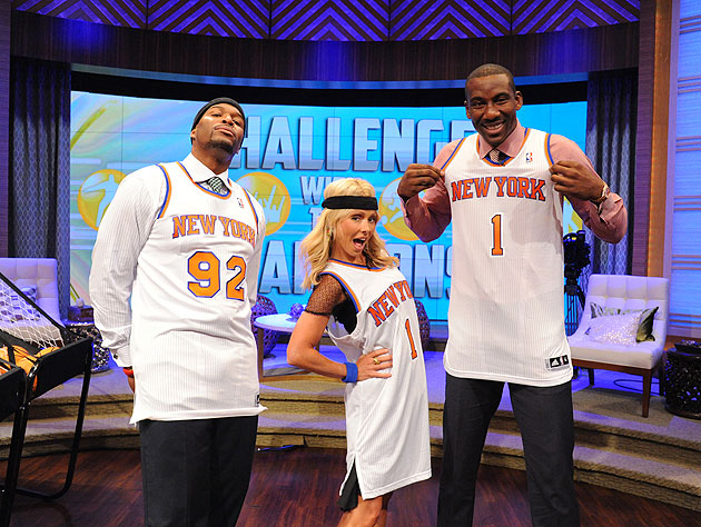 cheaper 4c2eb 9b44a Amar'e Stoudemire unveils new Knicks home jersey on 'Live ...