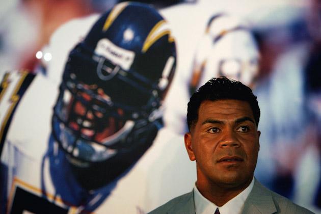 NFL legend Junior Seau found dead at his California home