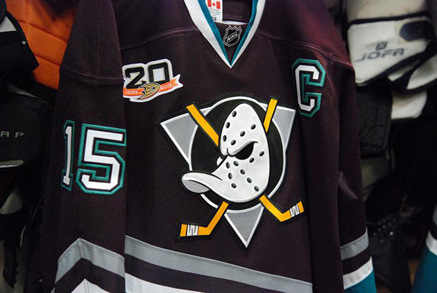 best service 3baad c0b3c Mighty Ducks fly again: Behold glorious throwback Anaheim ...