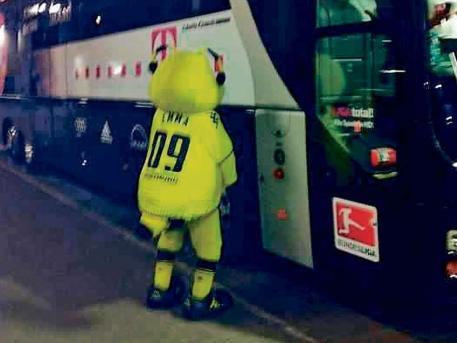 Borussia Dortmund S Mascot Pretended To Urinate On Bayern Munich S Bus