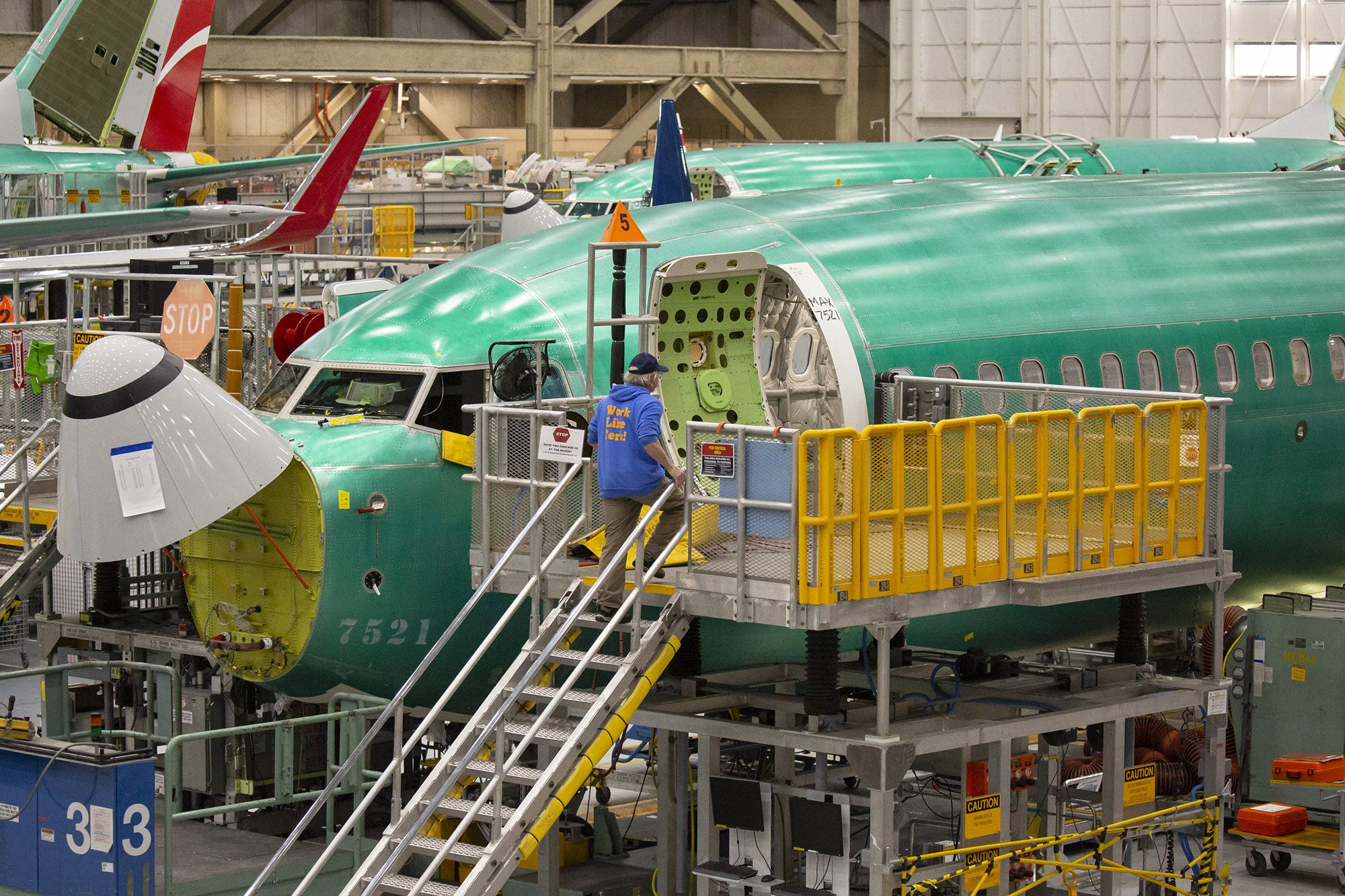 Mnuchin Says Boeing Woes Could Lop a Half-Point from U.S. GDP