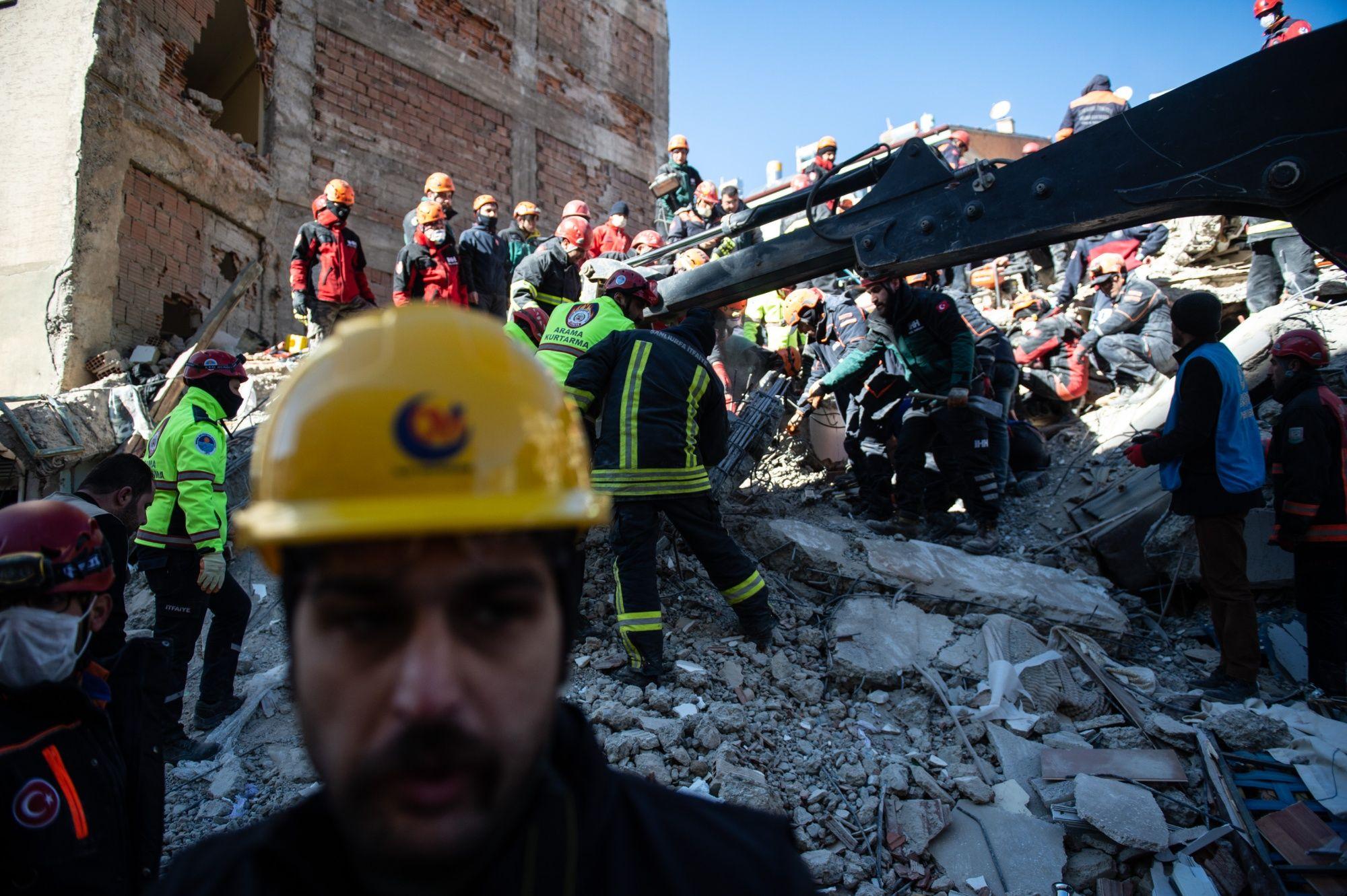 Death Toll Rises in Turkey Quake as Erdogan Slams Social Media
