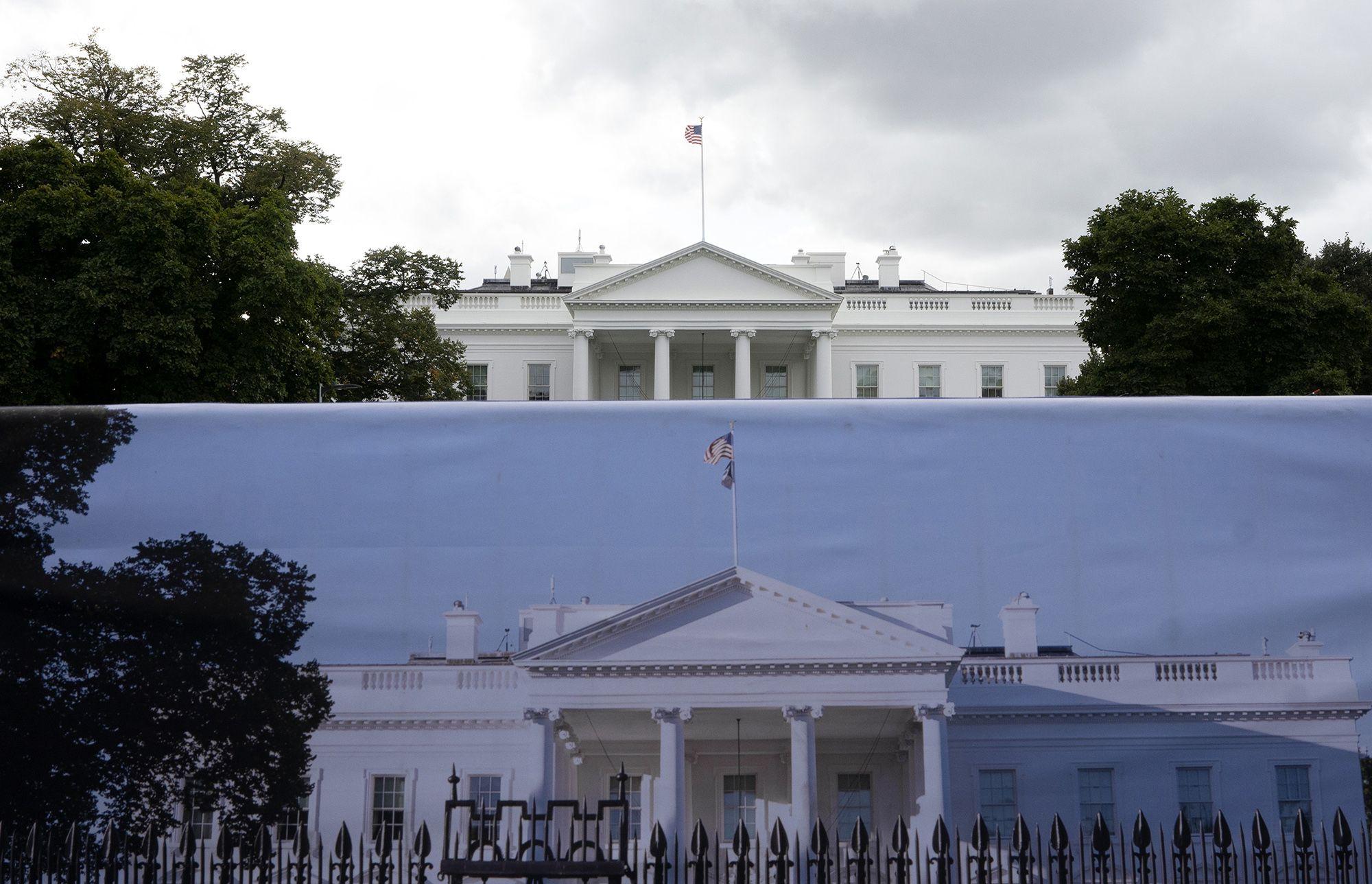 Congress ConsidersDelaying Spending Talks UntilAfter Impeachment