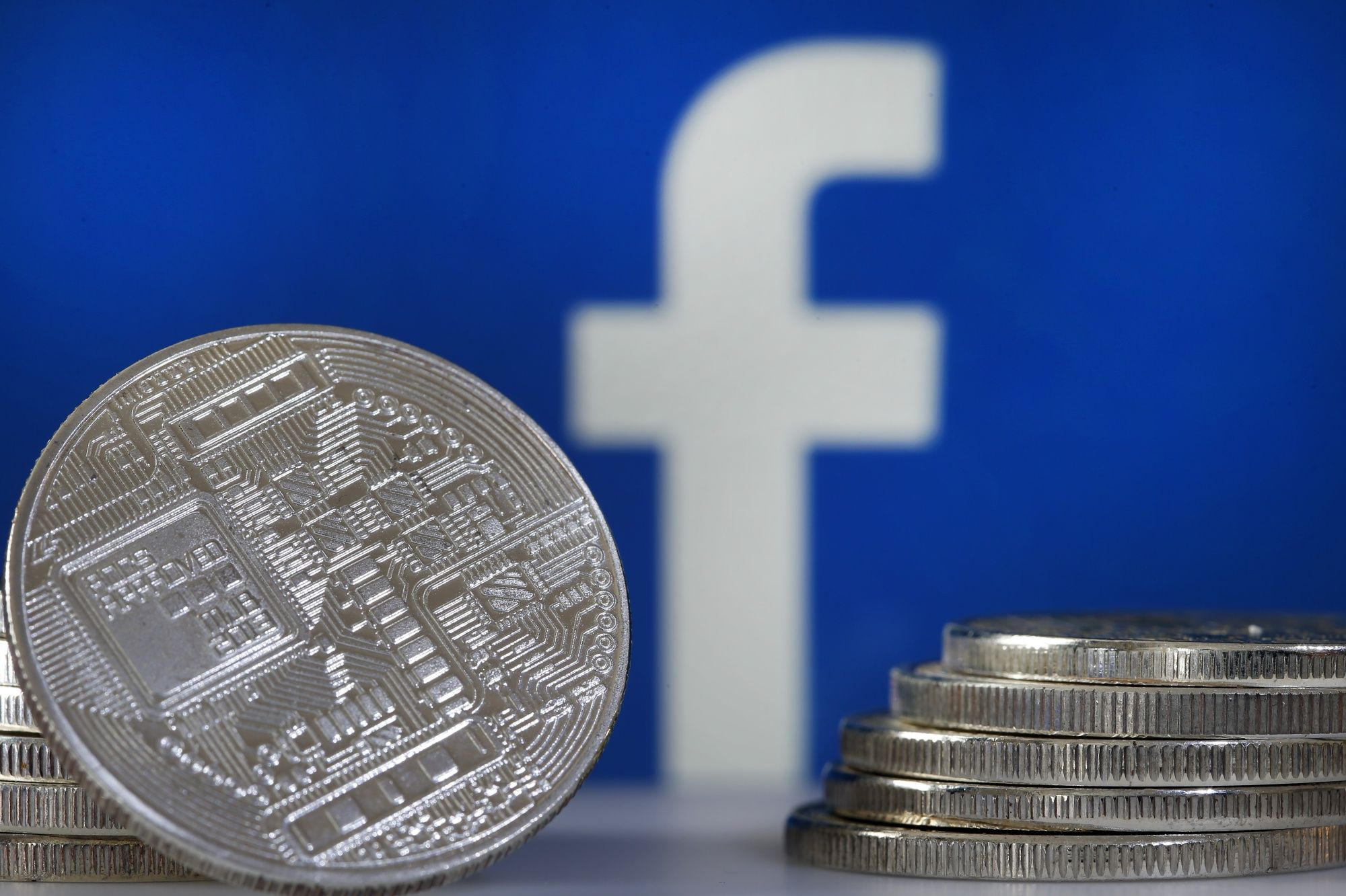 Facebooks Cryptocurrency Plan Draws ECB Warning on Regulation