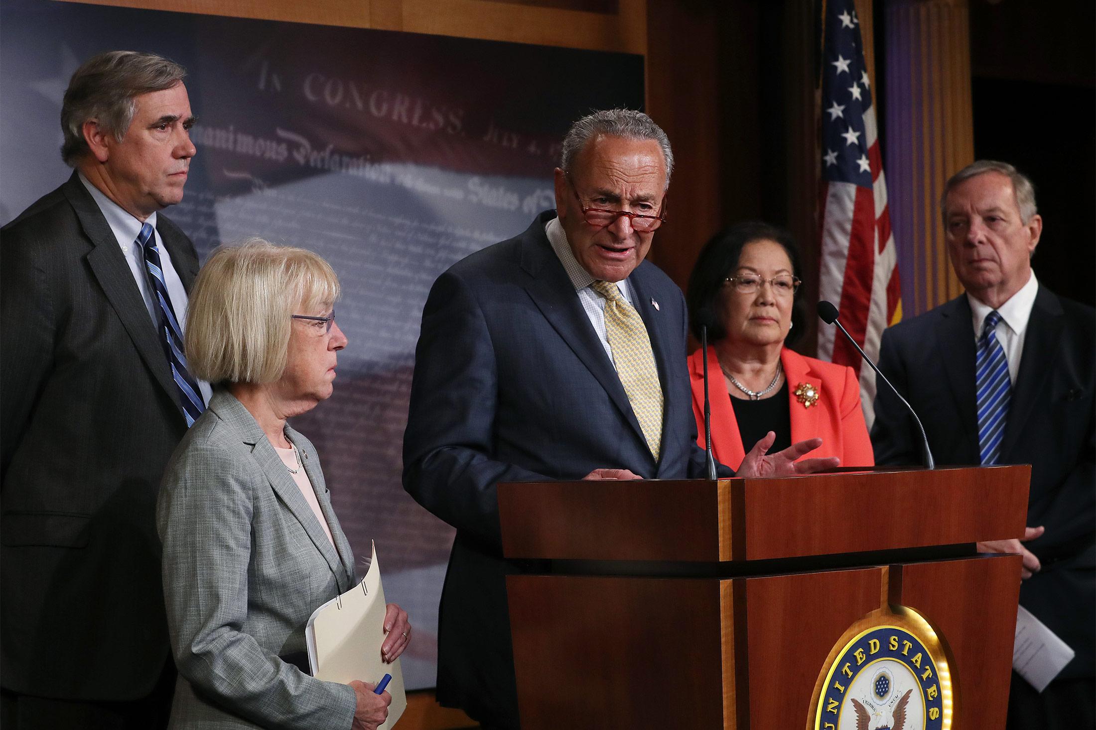 Democrats Counter GOP Border Proposals on Migrant Conditions