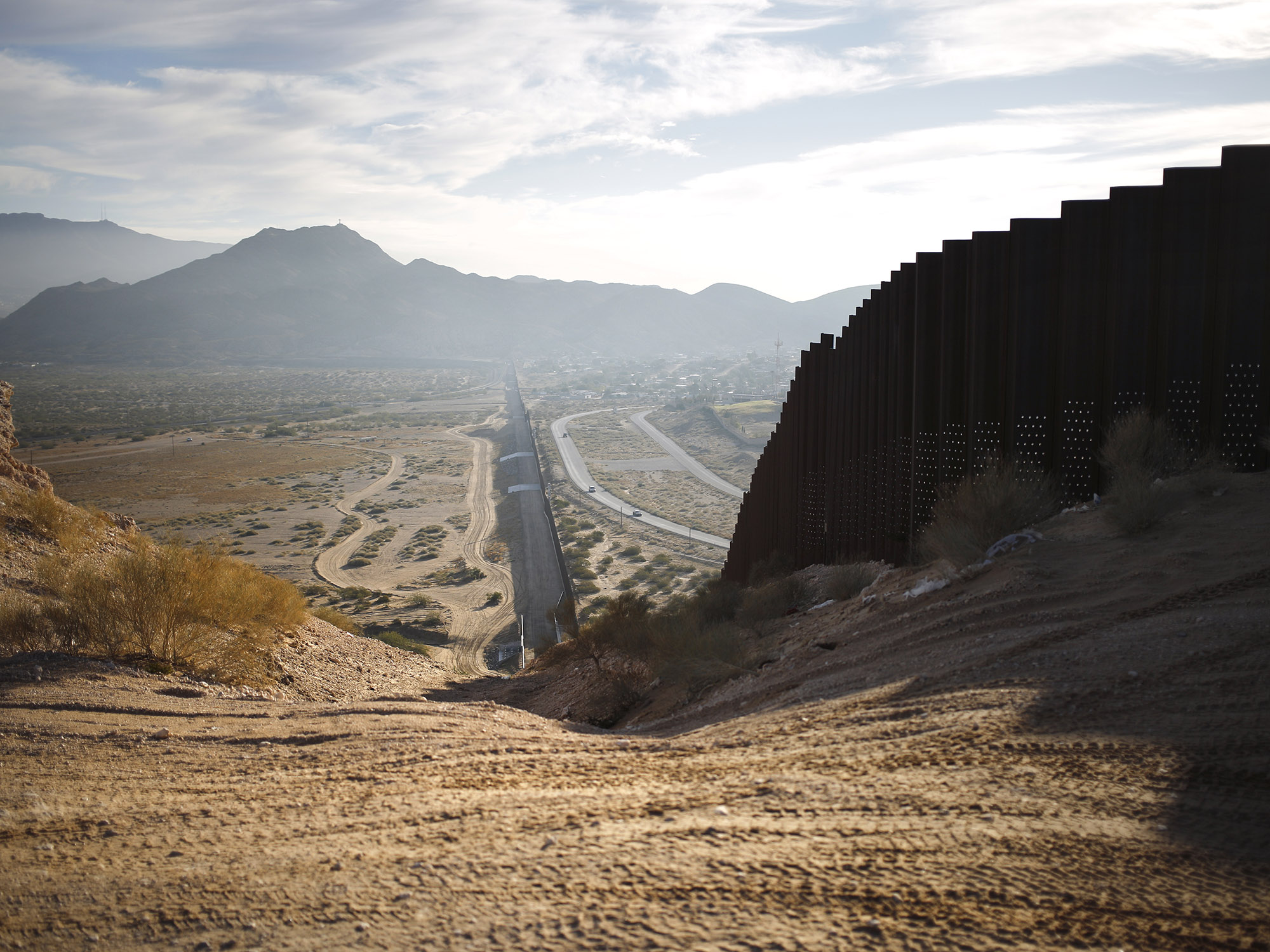 U.S. Caught, Blocked About 64,000 Migrants at Border in August