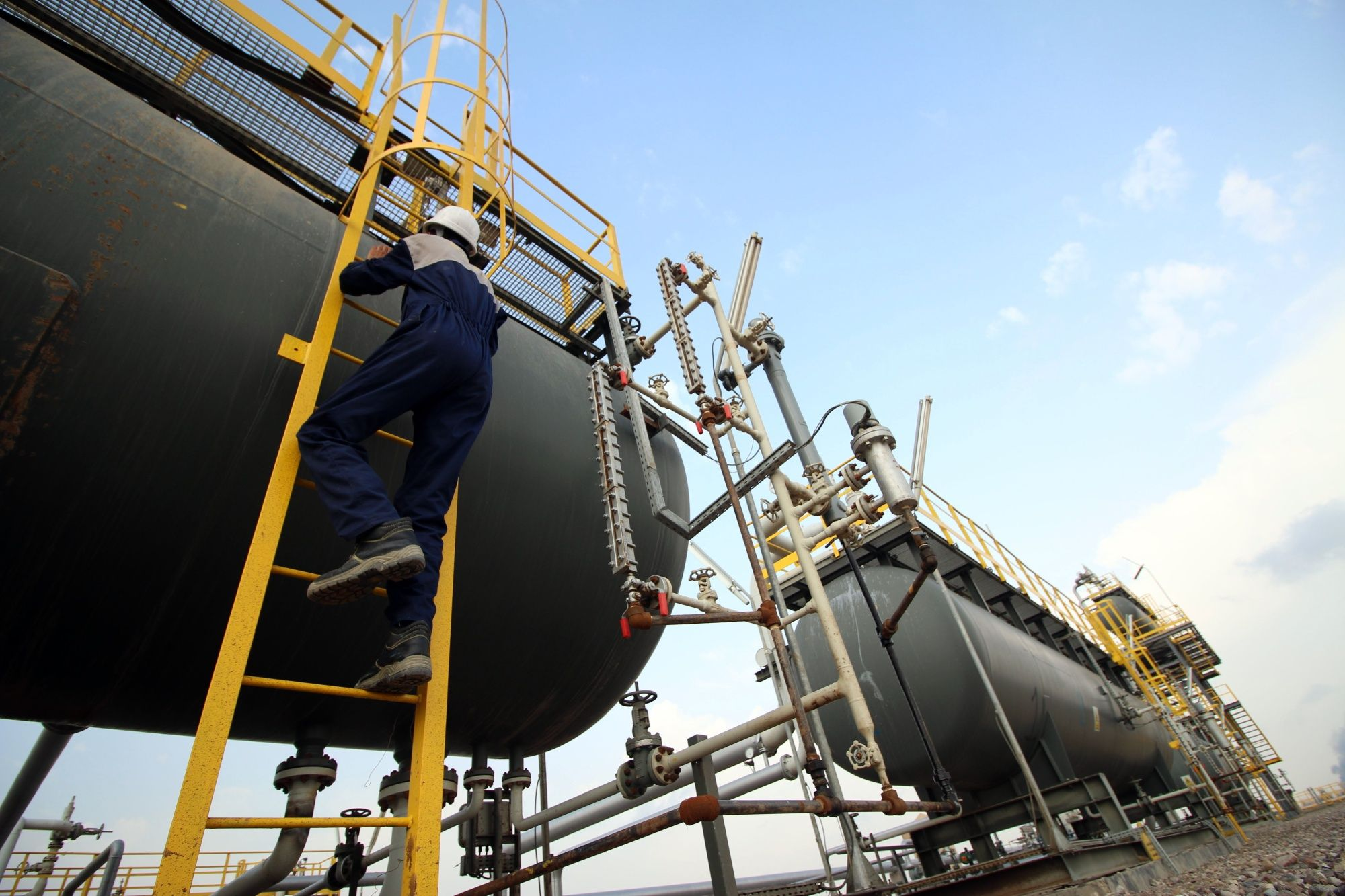 Iraq Resumes Oil Output at Field Halted by Protesters