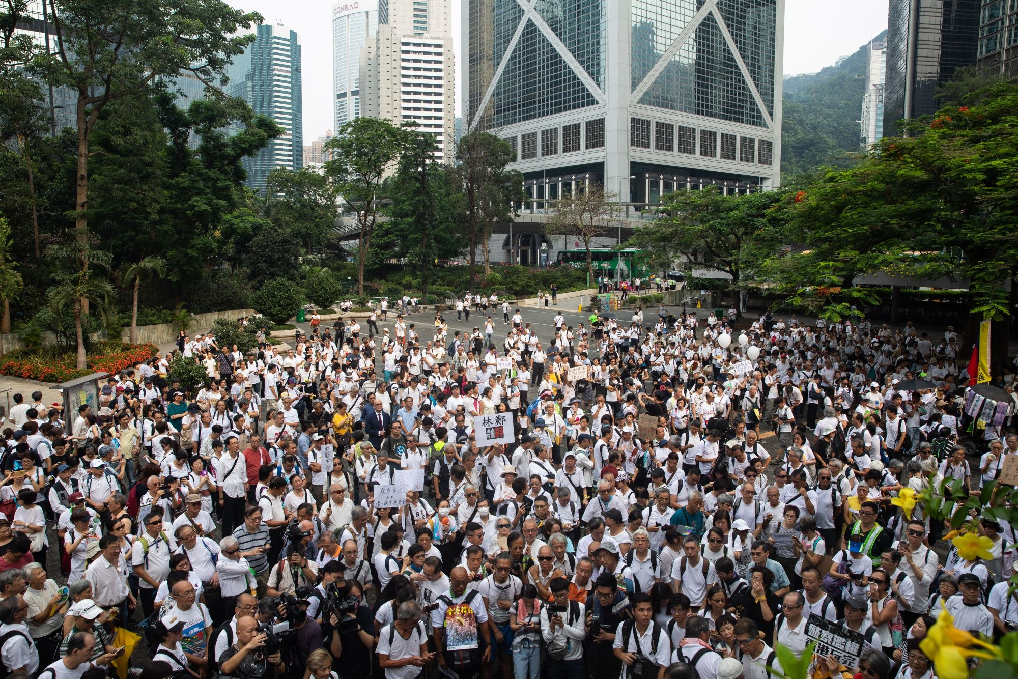 China Is Drafting Urgent Plan to Resolve Hong Kong Chaos, SCMP Says