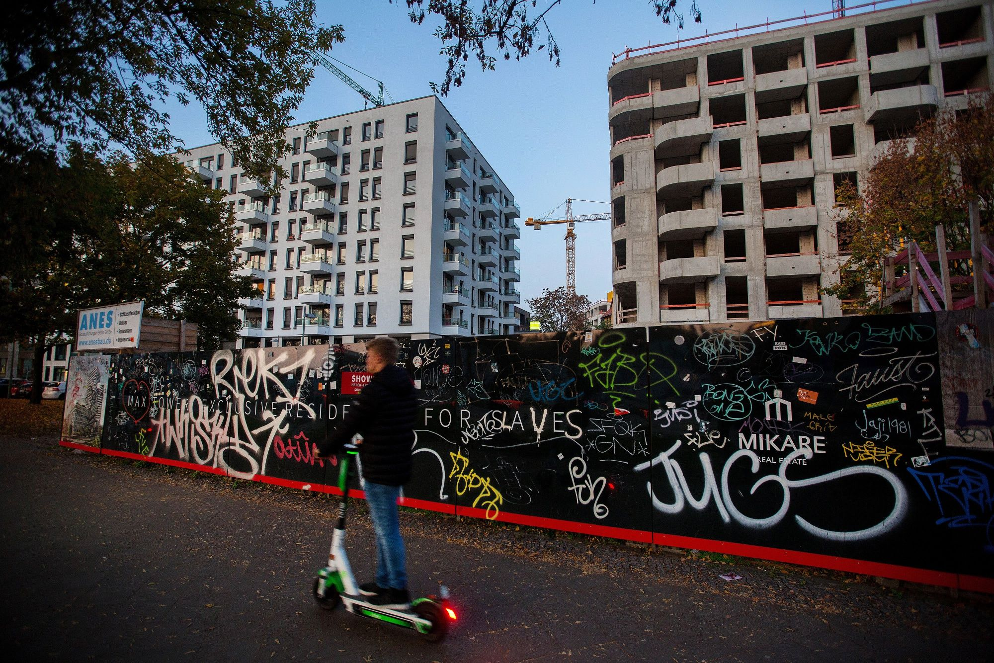 Berlin Adopts Five-Year Freeze to Rein In Soaring Rents