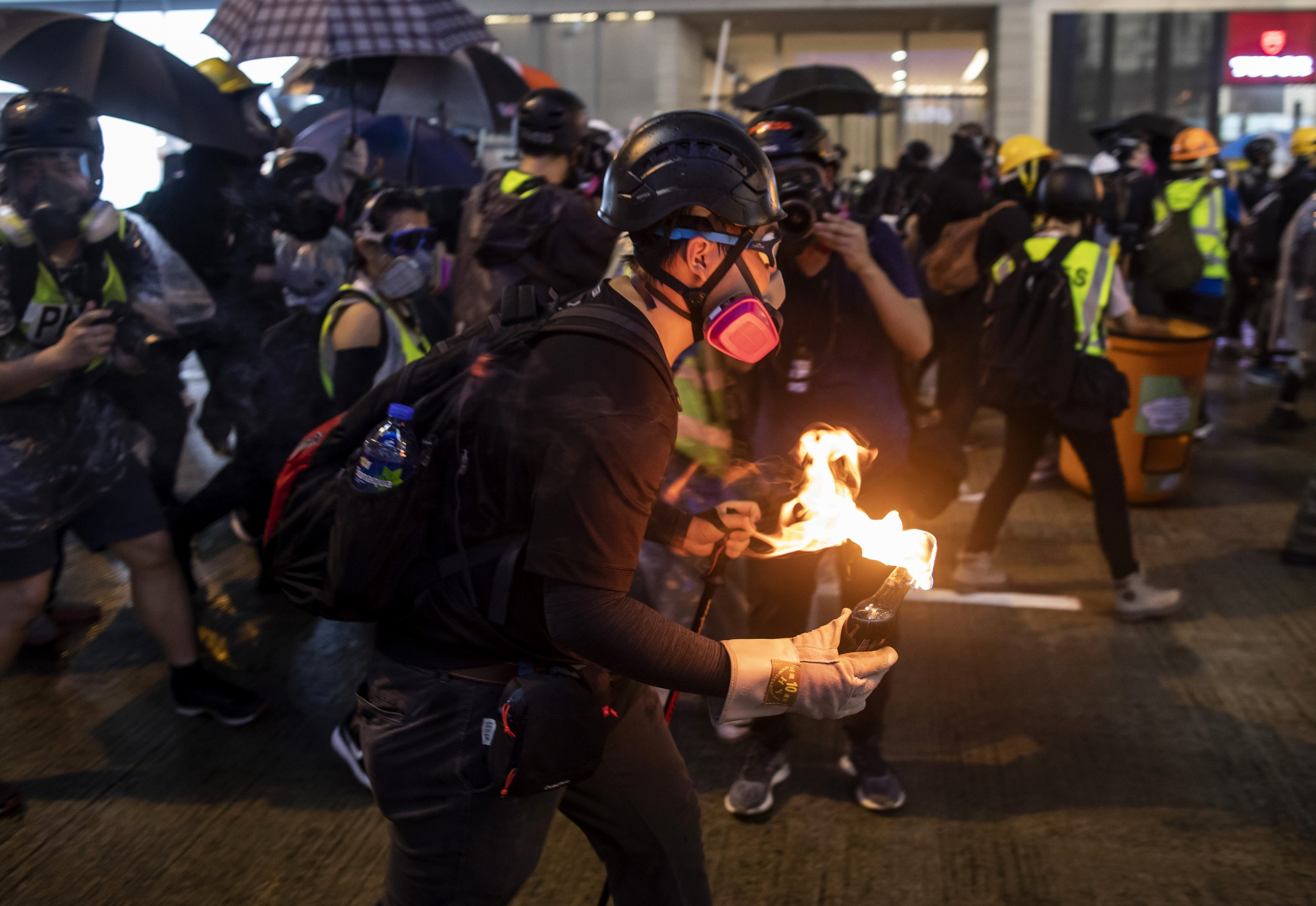 Hong Kong Masses Defy Police, Show China They're Ready to Fight