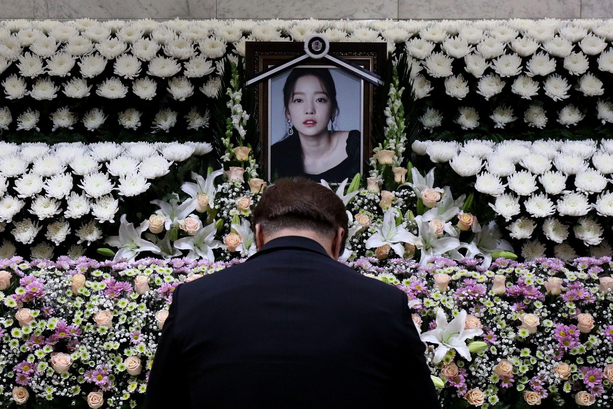 K-Pop Suicide Sparks a Reckoning on Revenge Porn, Sexual Assault