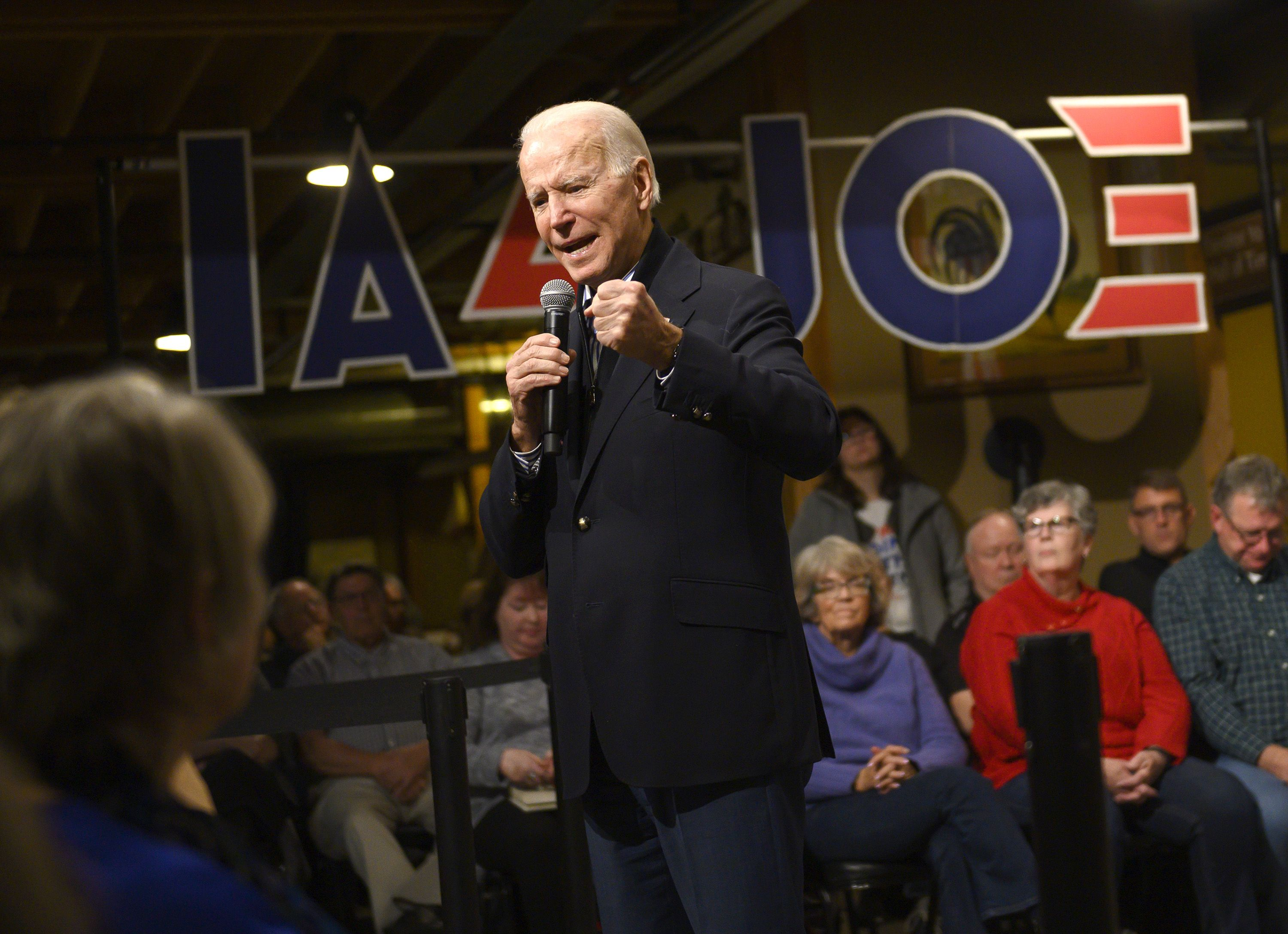 Biden Makes a Surge in Iowa After Early Stumbles Left Him Behind